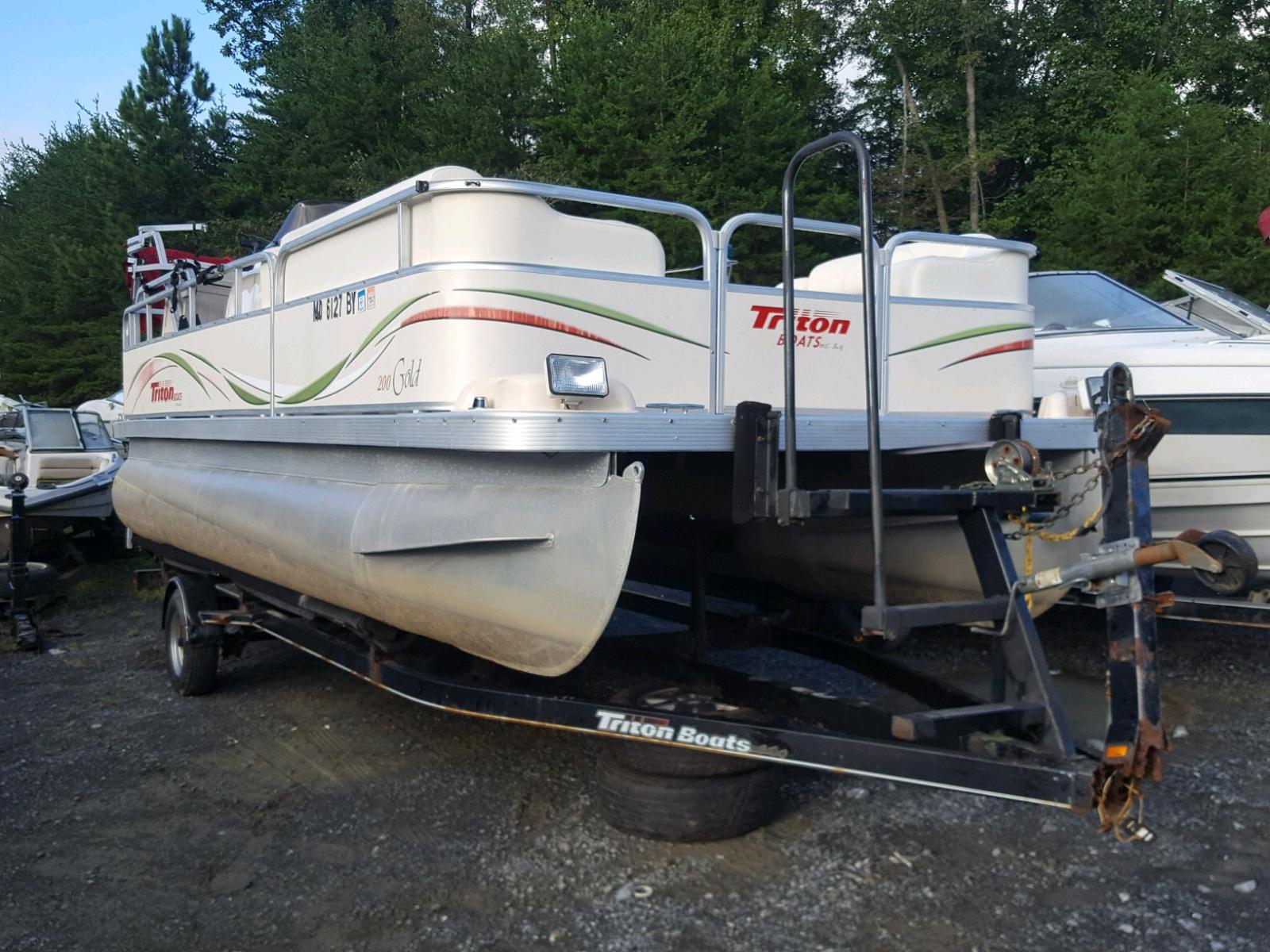 Salvage 2006 Triton BOAT for sale