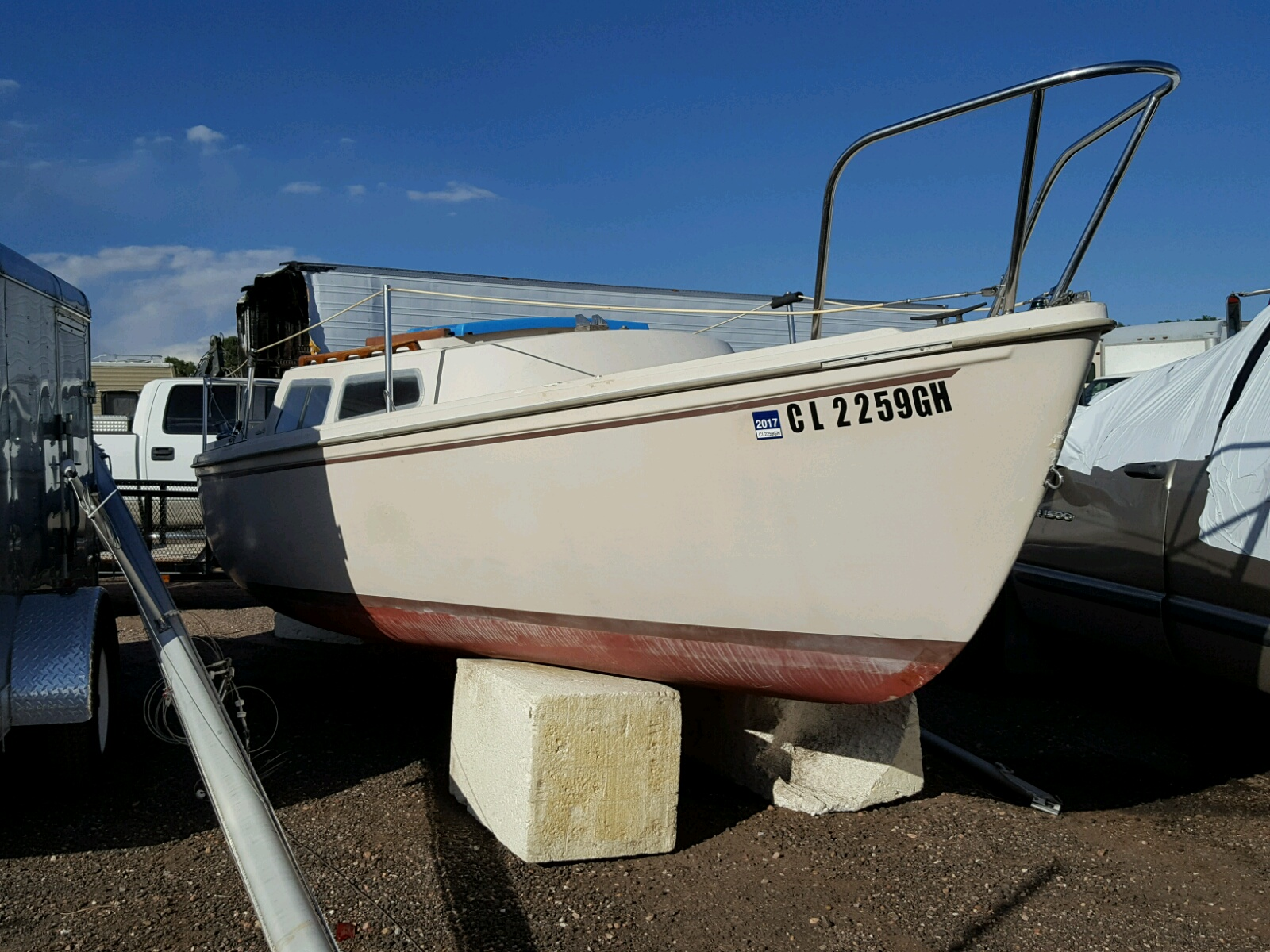 Salvage 1982 Chalet MARINEBOAT for sale
