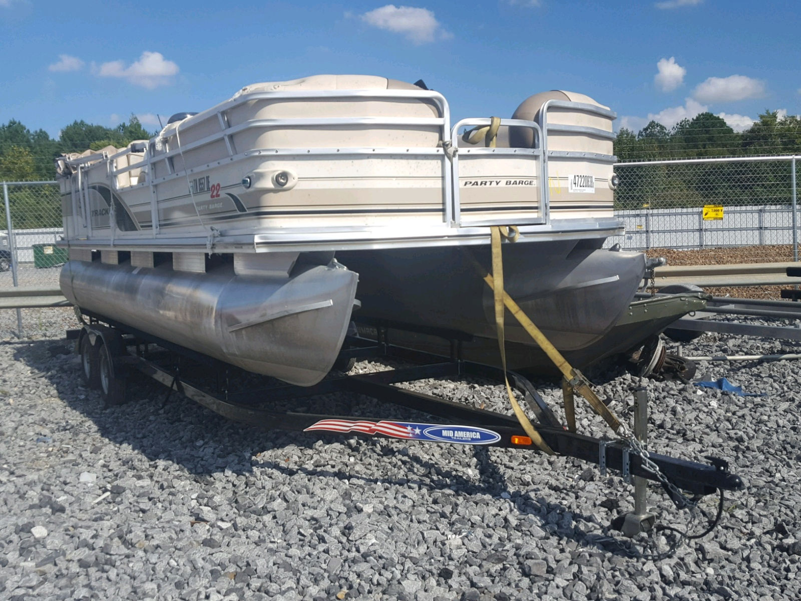 Salvage 2001 Arrow PARTY BARG for sale