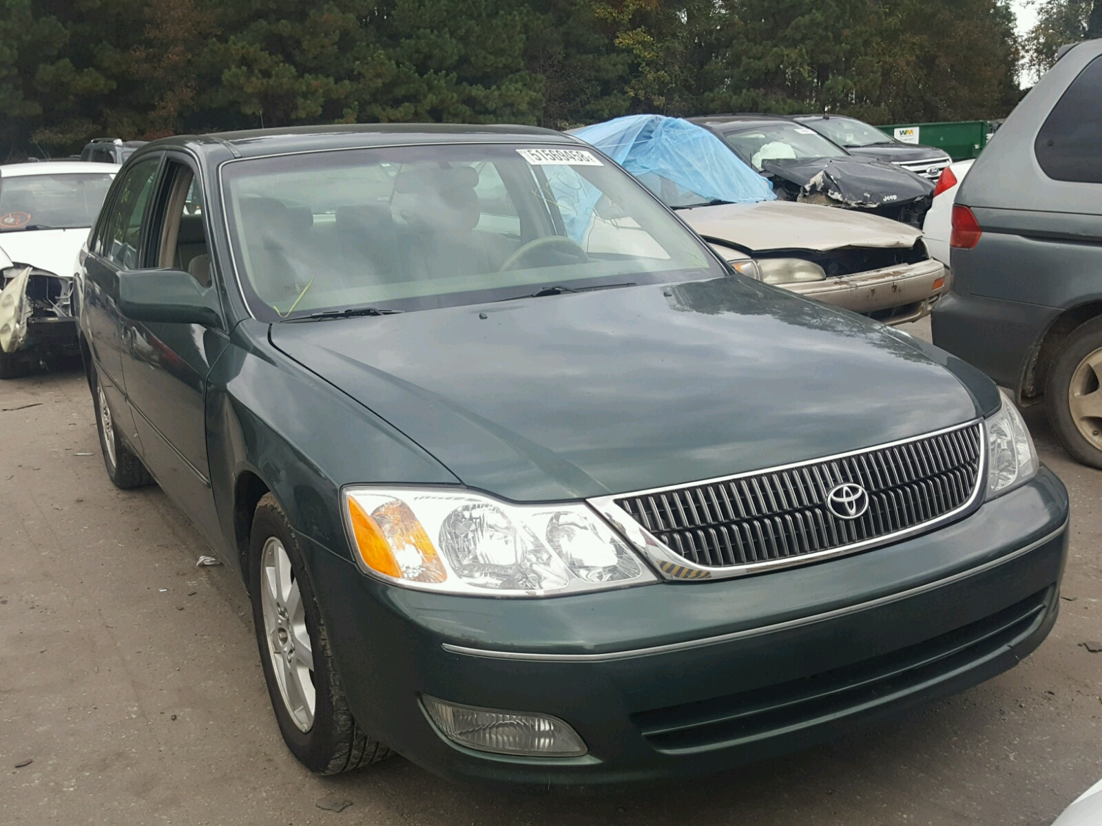 Salvage 2001 Toyota AVALON XL for sale