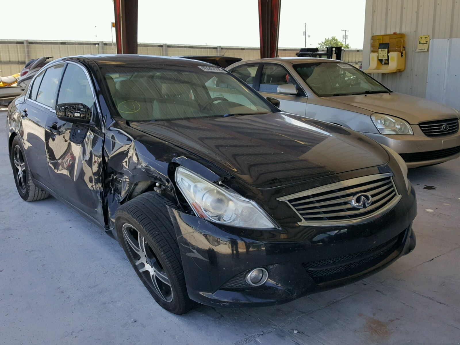 Salvage 2010 Infiniti G37 BASE for sale