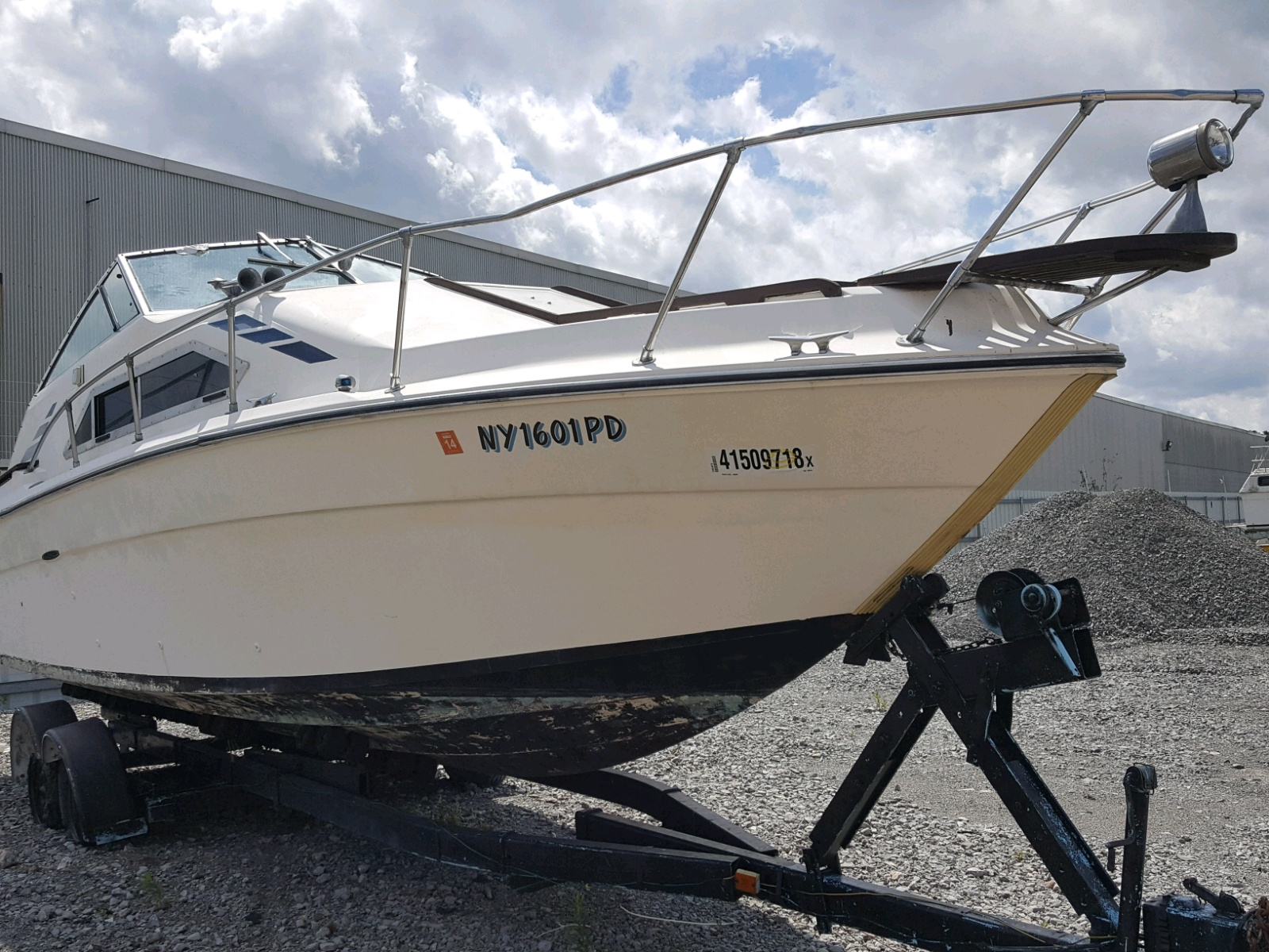 Salvage 1979 Sea Ray BOAT for sale