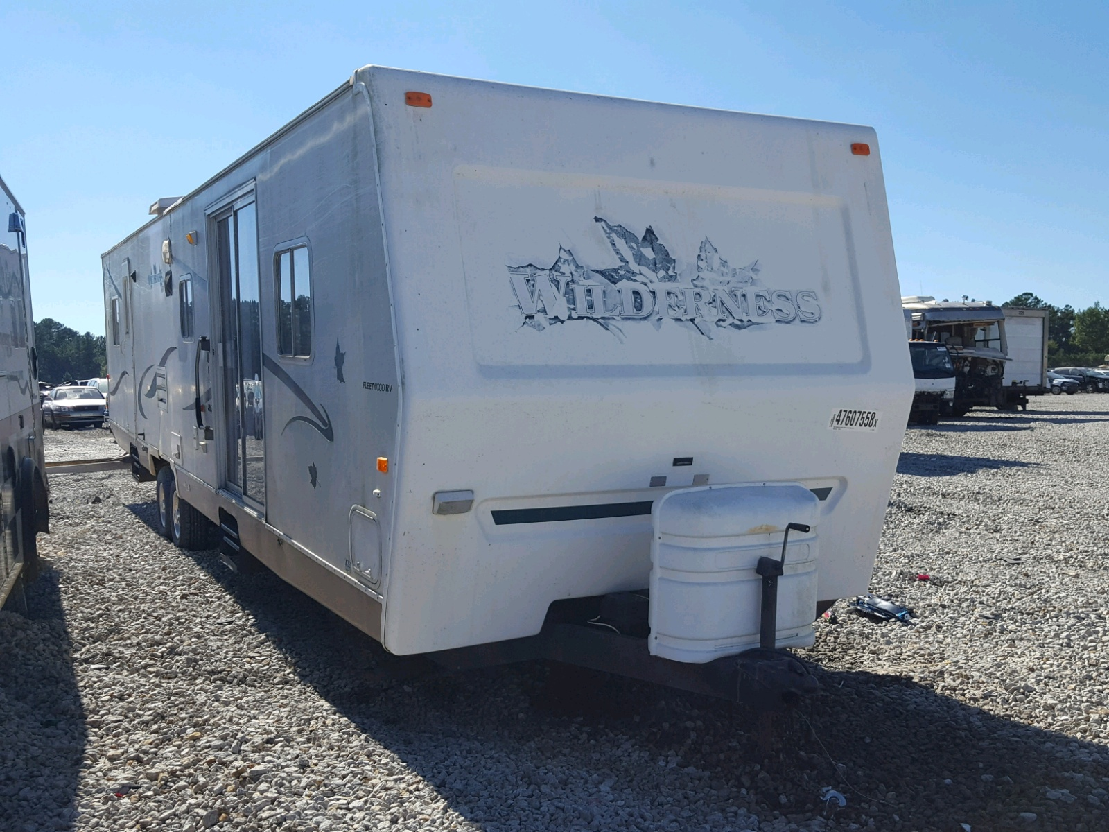 Salvage 2002 Fleetwood WILDERNESS for sale