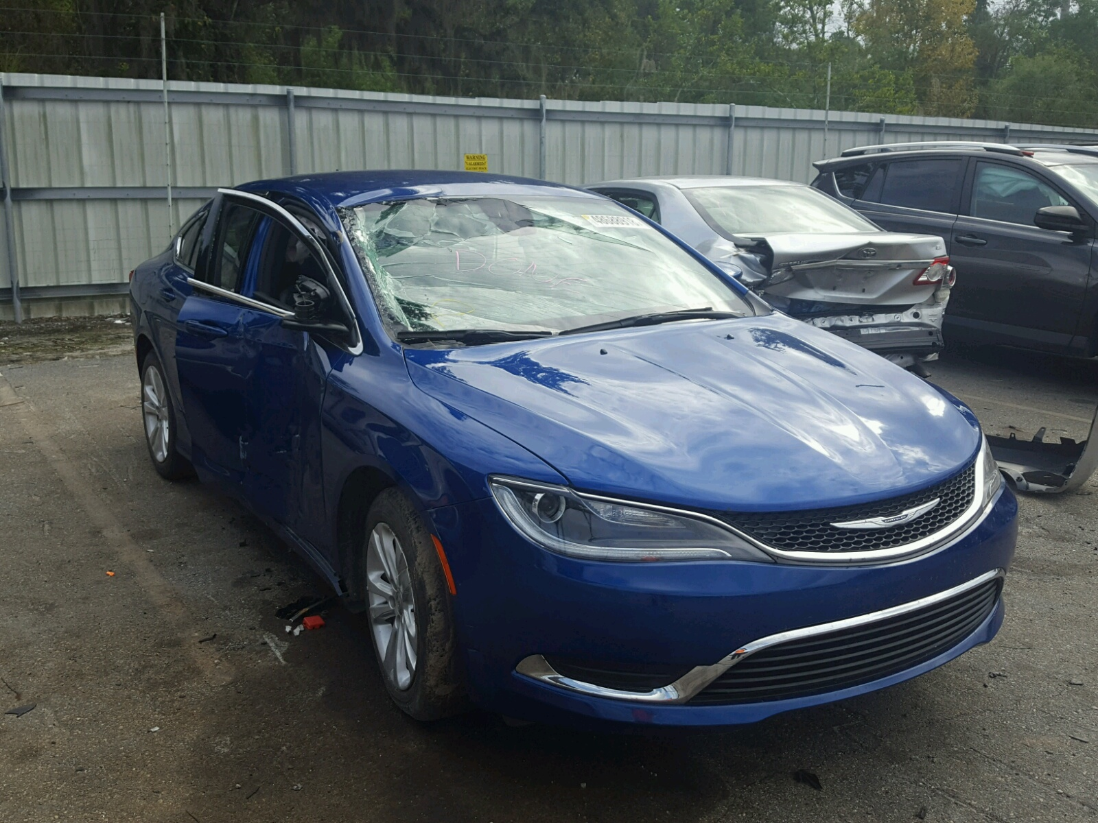 Salvage 2017 Chrysler 200 LIMITED for sale