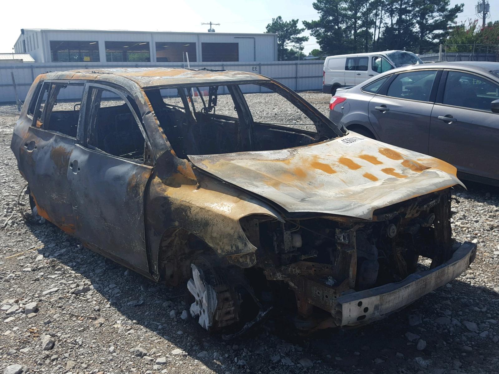 Salvage 2010 Toyota HIGHLANDER for sale