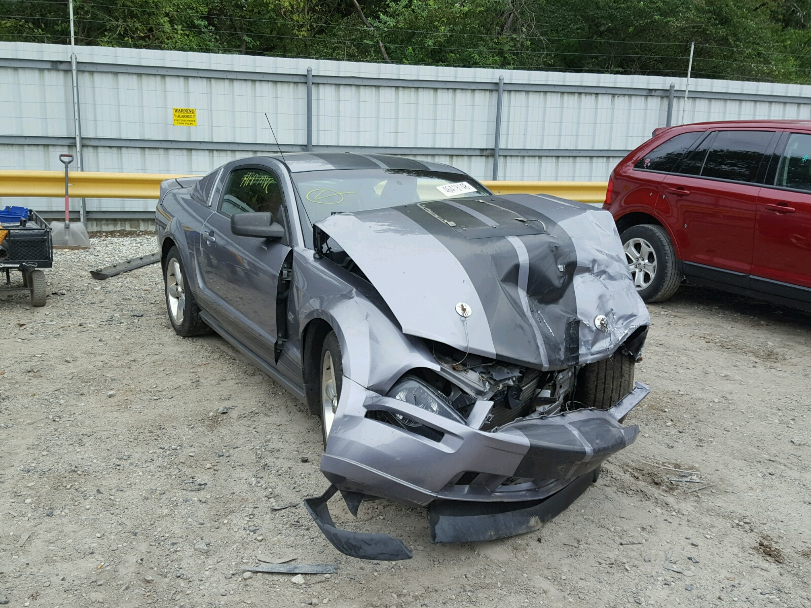 Salvage 2006 Ford MUSTANG GT for sale