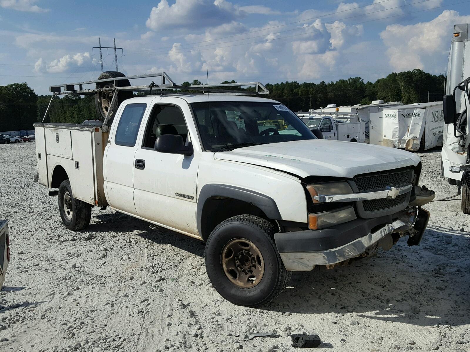 Salvage 2003 Chevrolet SILVERADO for sale