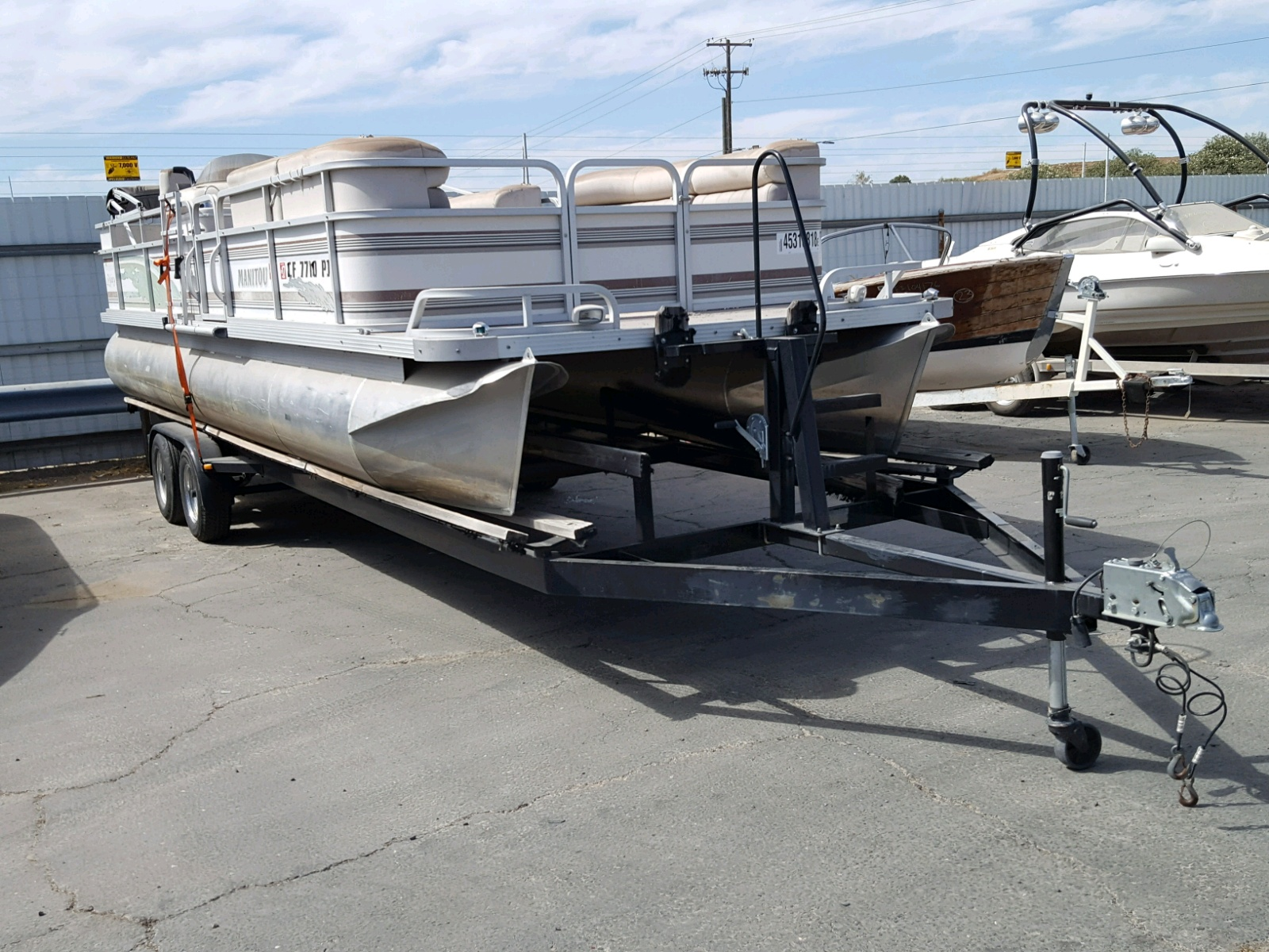 Salvage 2000 Manitou 24LEGACY for sale