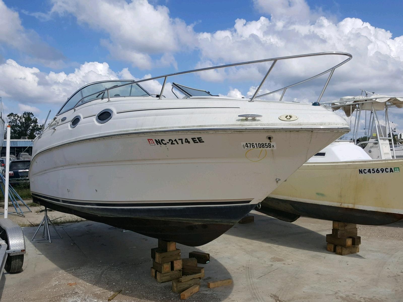 Salvage 2002 Sea Ray 260 SUNDAN for sale
