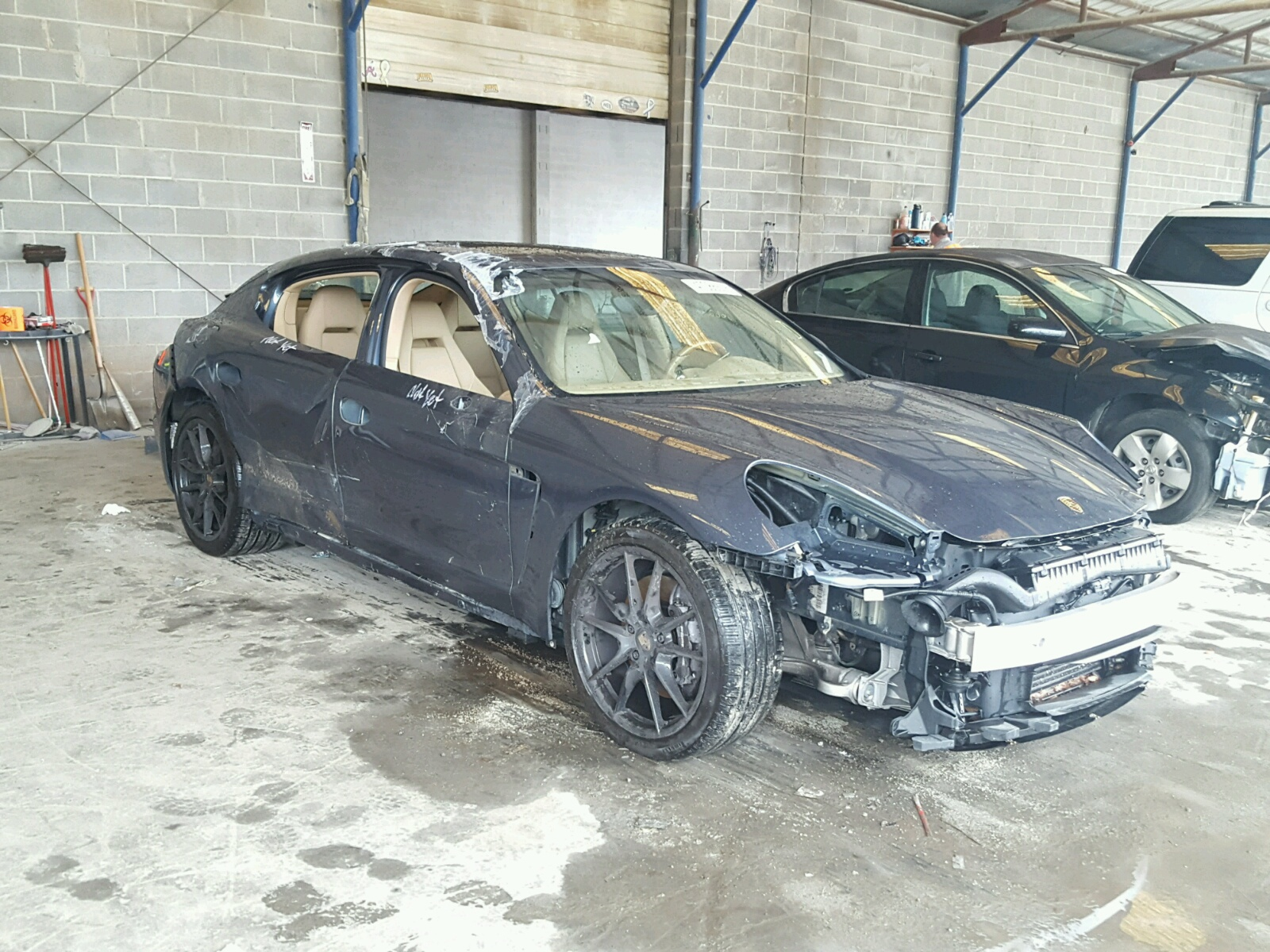 Salvage 2011 Porsche PANAMERA 2 for sale