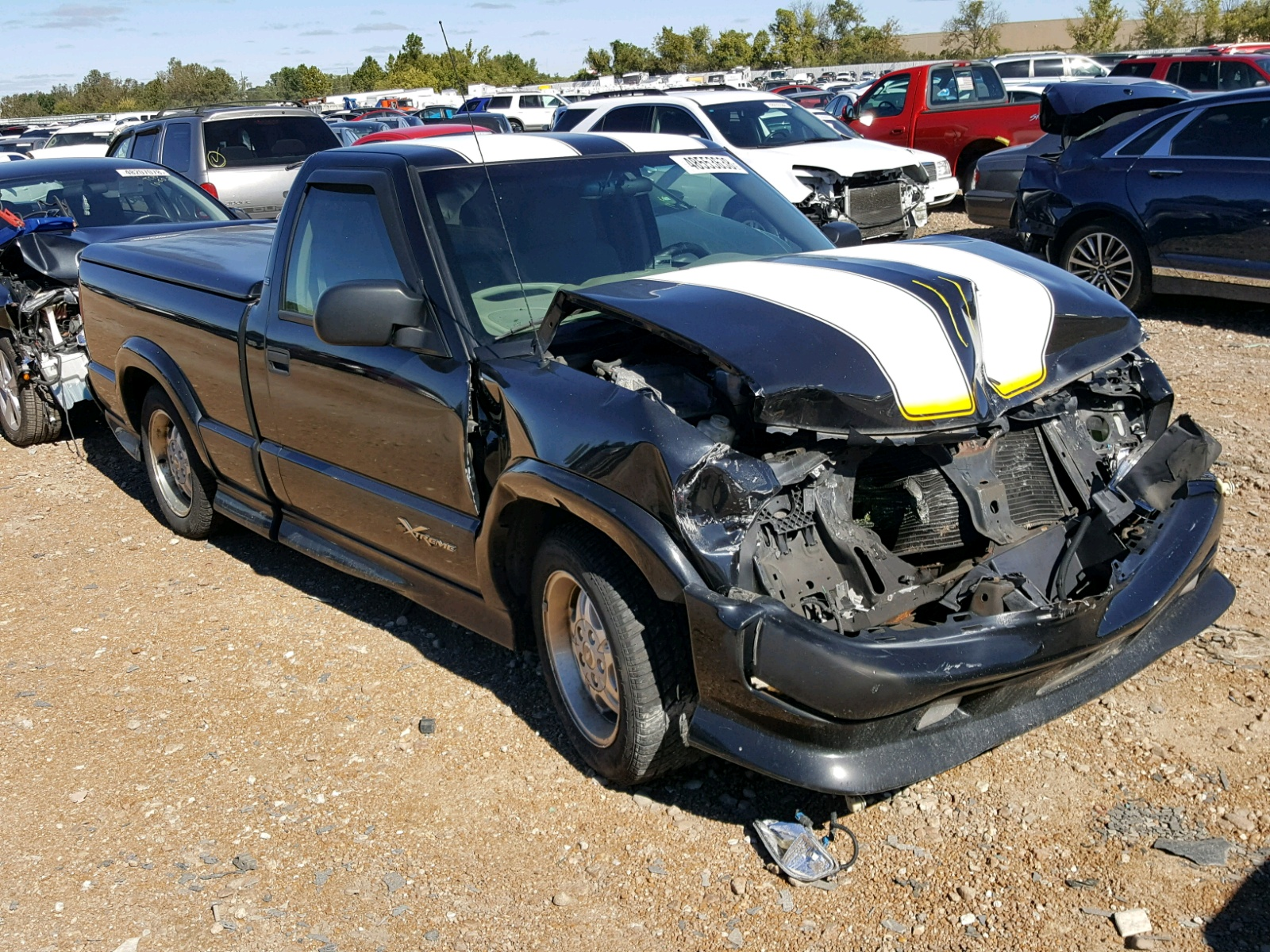Salvage 2003 Chevrolet S TRUCK S1 for sale