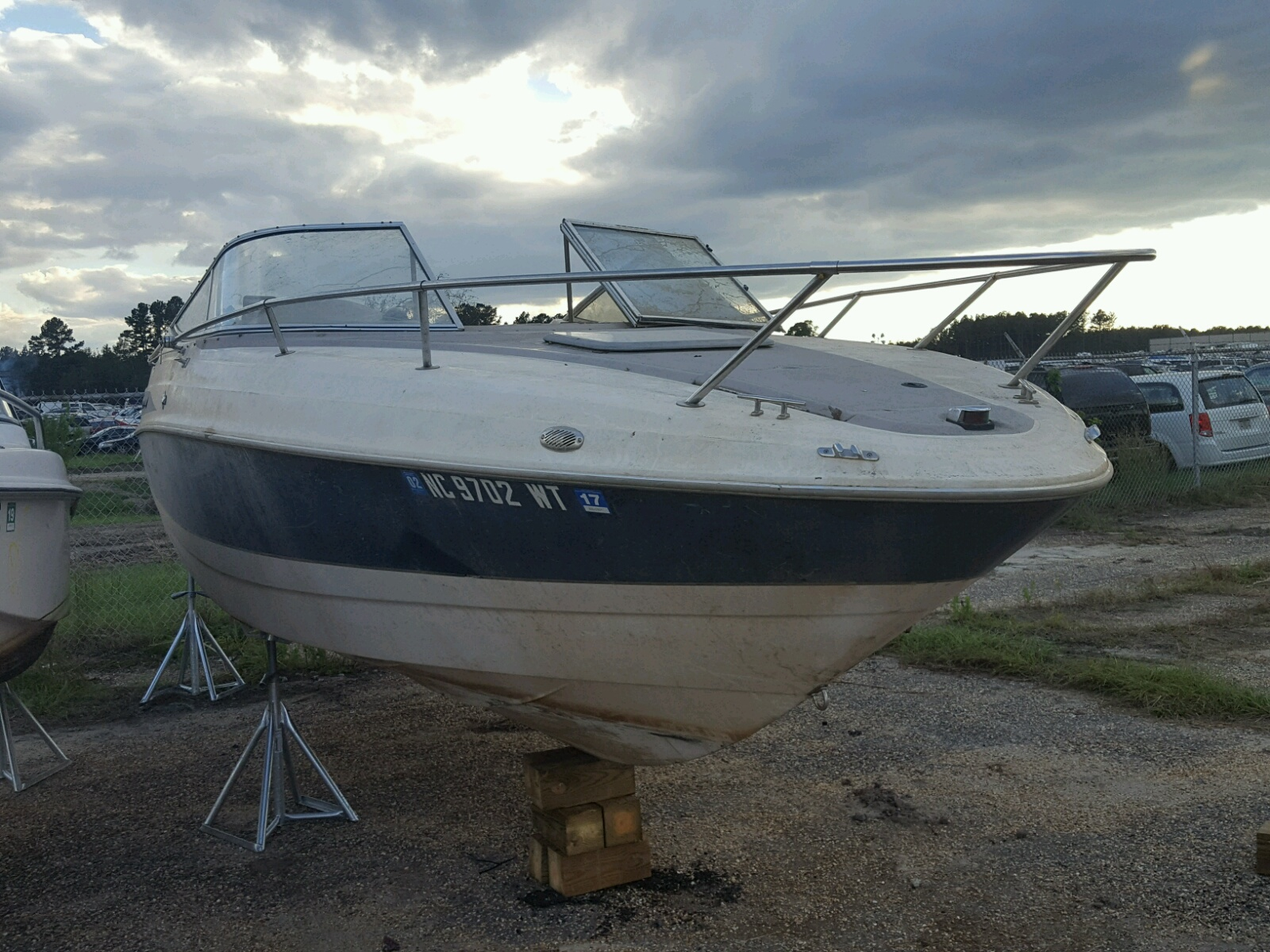 Salvage 2000 Maxum BOAT for sale