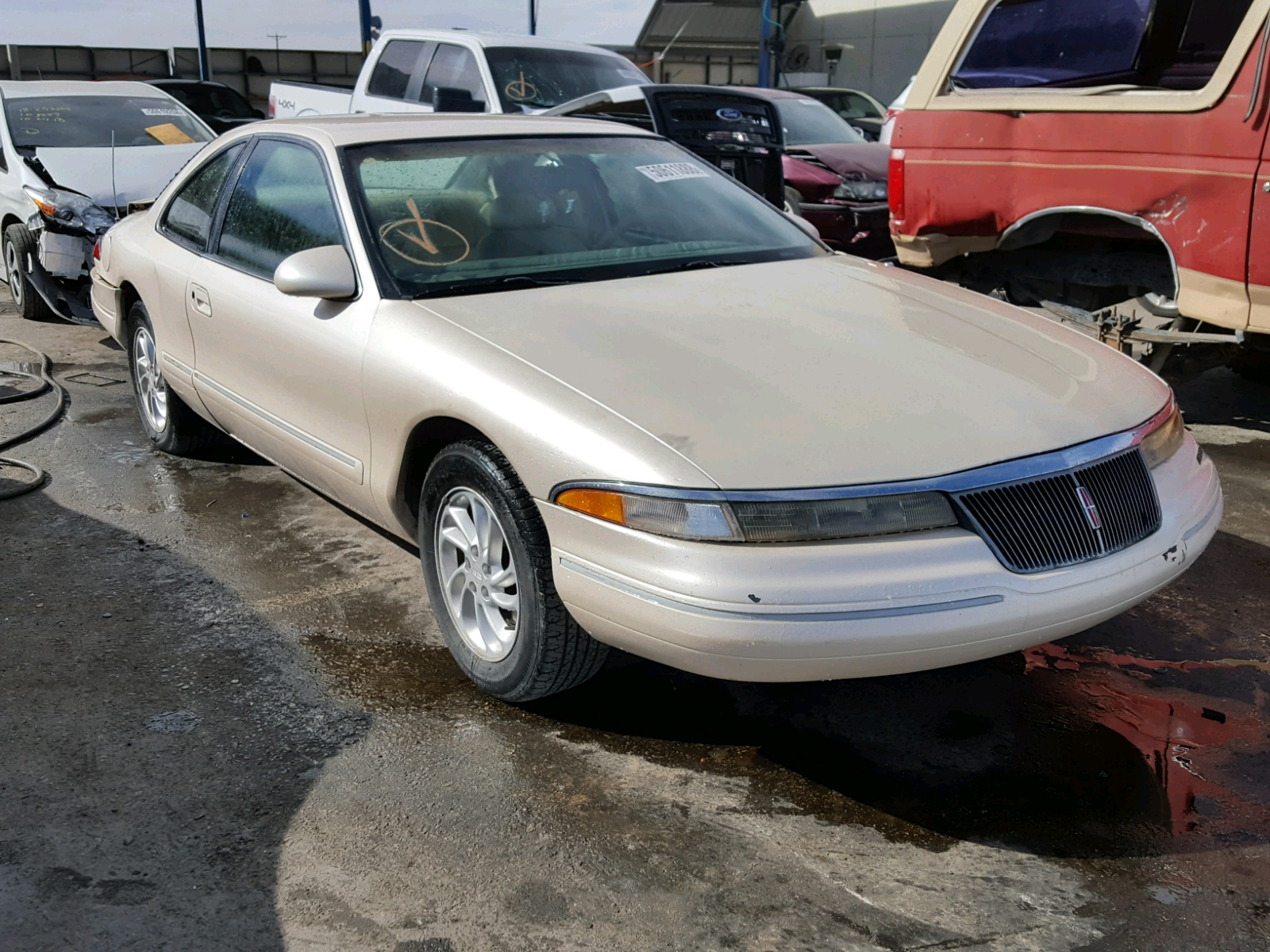 Salvage 1995 Lincoln MARK VIII for sale