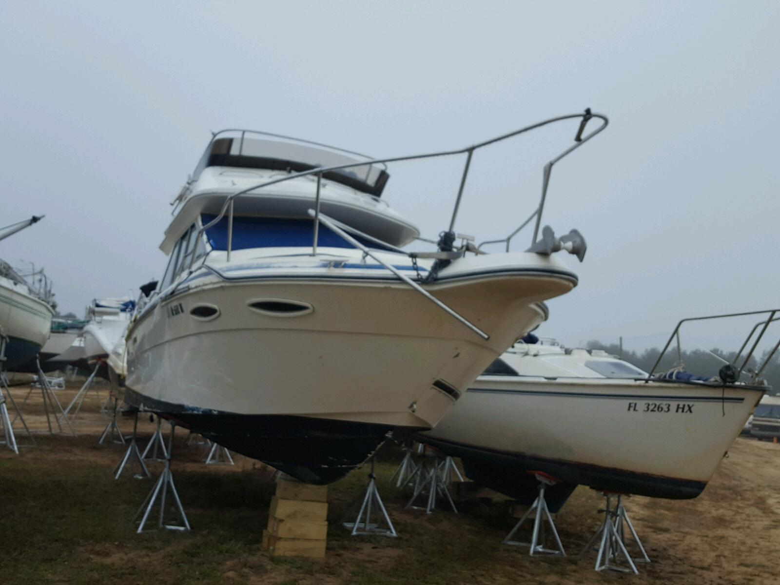Salvage 1987 Sea Ray MARINE LOT for sale