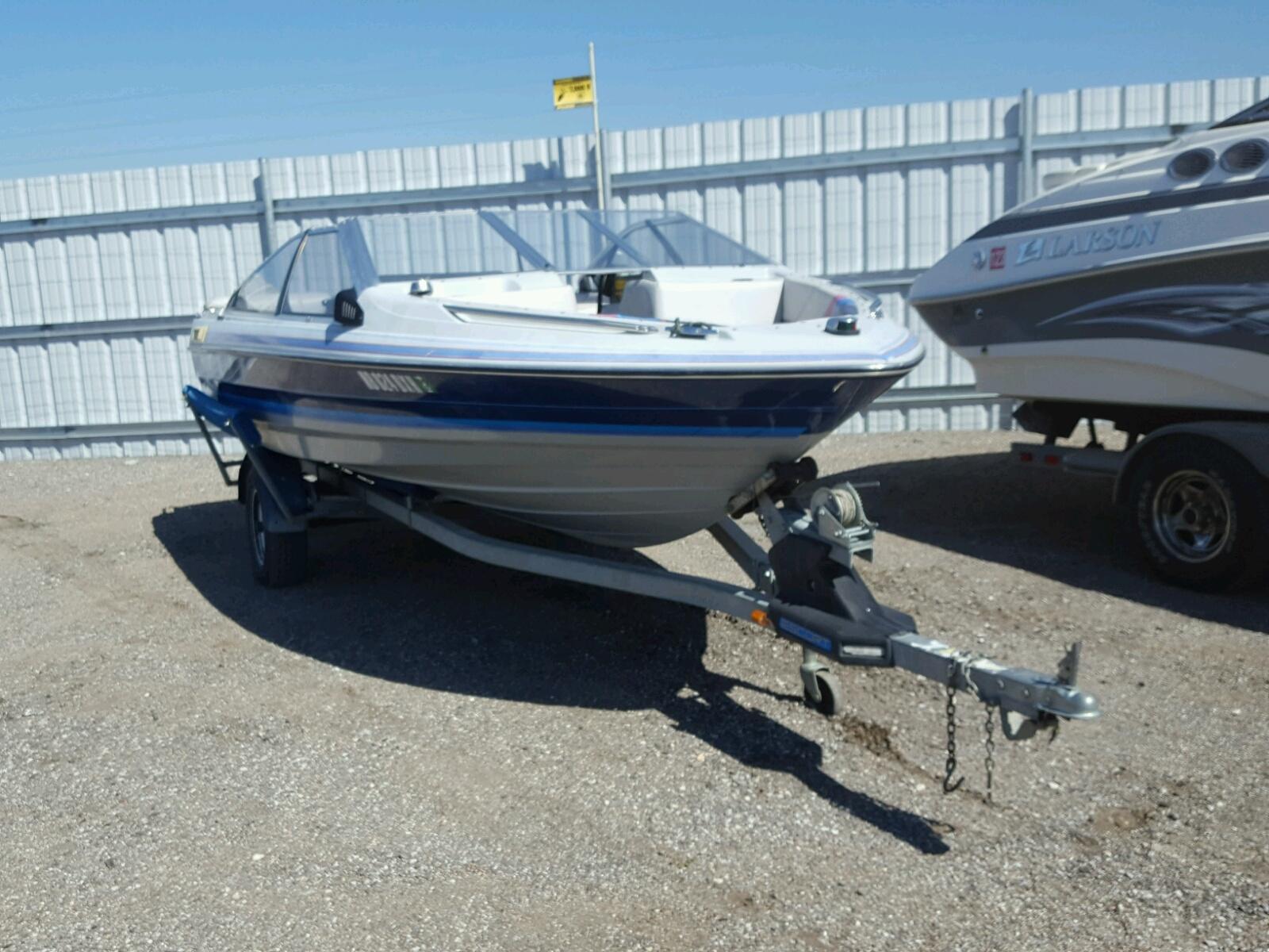 Salvage 1989 Bayliner BOAT for sale