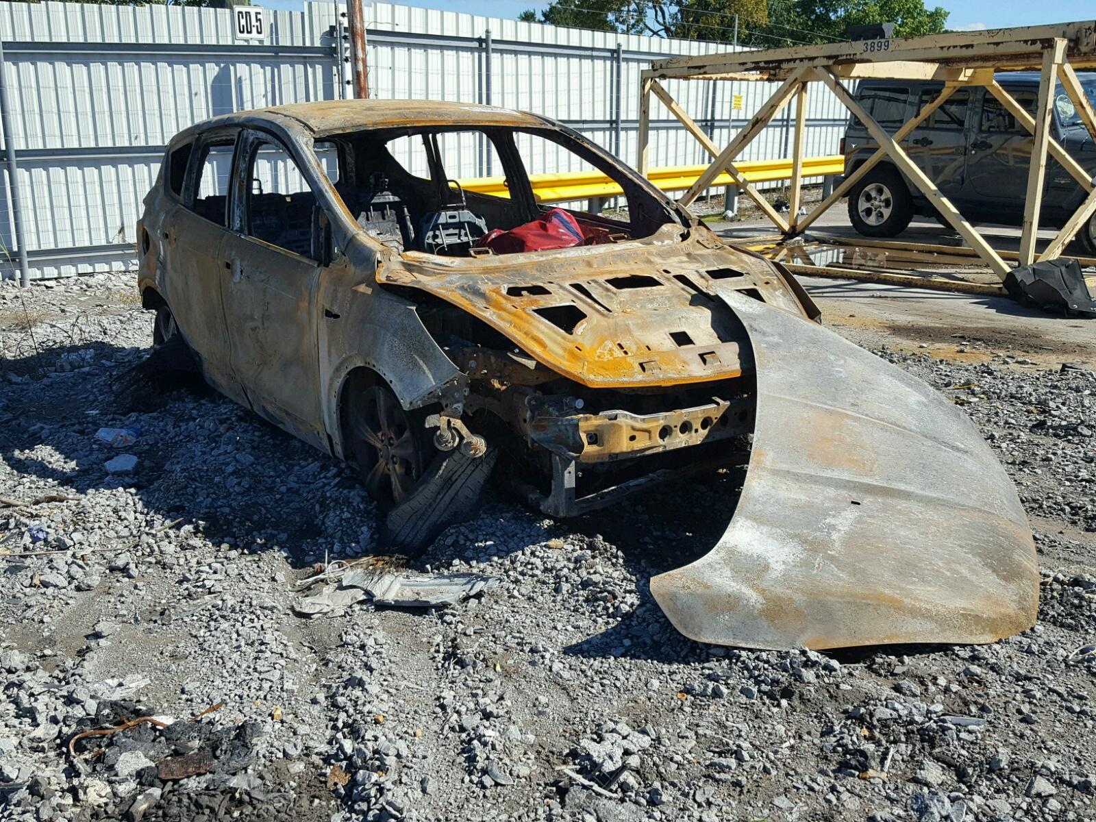 Salvage 2014 Ford ESCAPE SE for sale