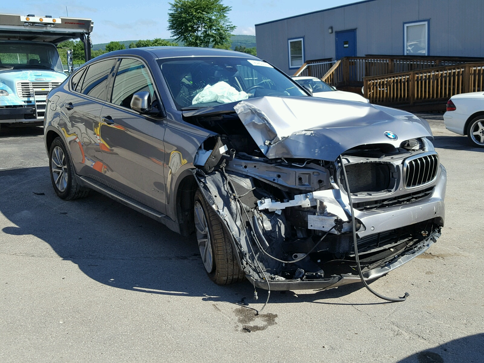 Salvage 2015 BMW X6 XDRIVE3 for sale