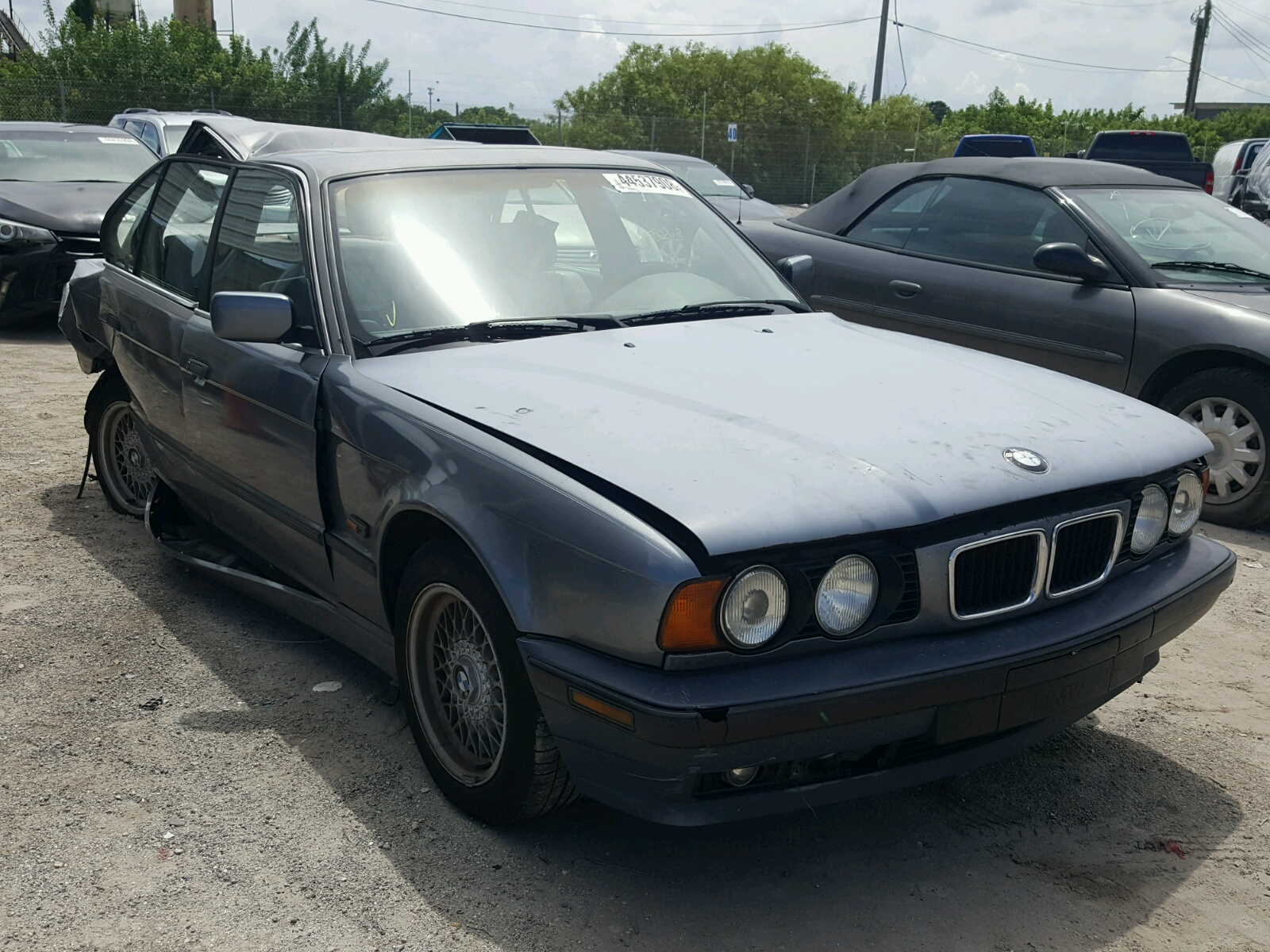 Salvage 1995 BMW 525 I AUTOMATIC for sale