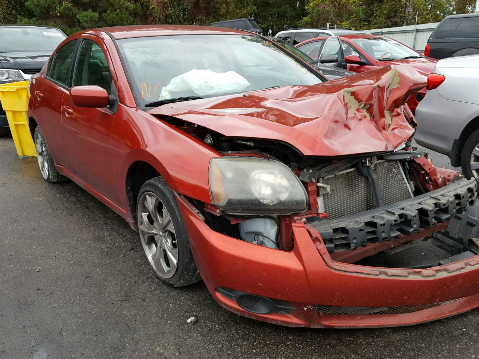 Salvage 2011 Mitsubishi GALANT FE for sale