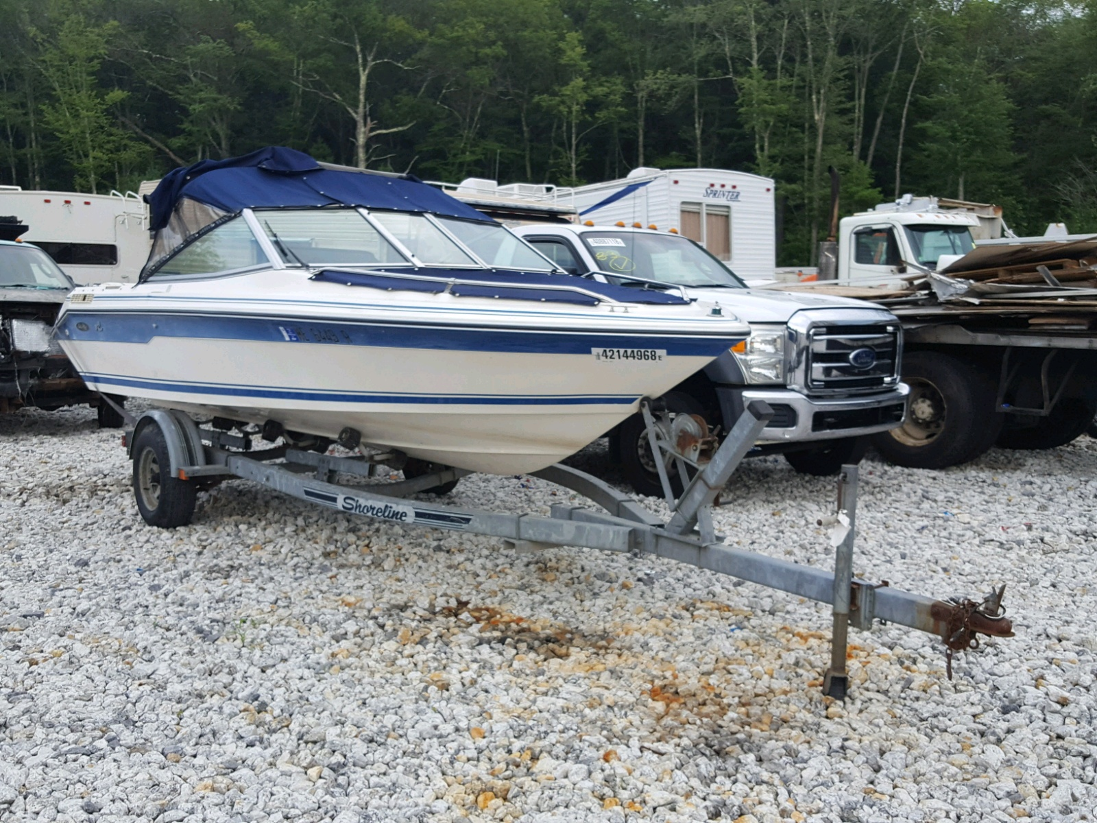 Salvage 1989 Sea Ray 180 BOW RI for sale