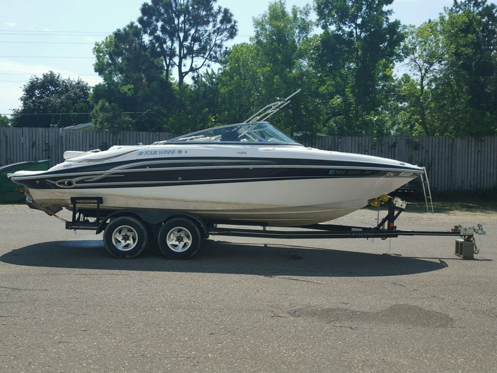 Salvage 2004 Four Winds BOAT for sale