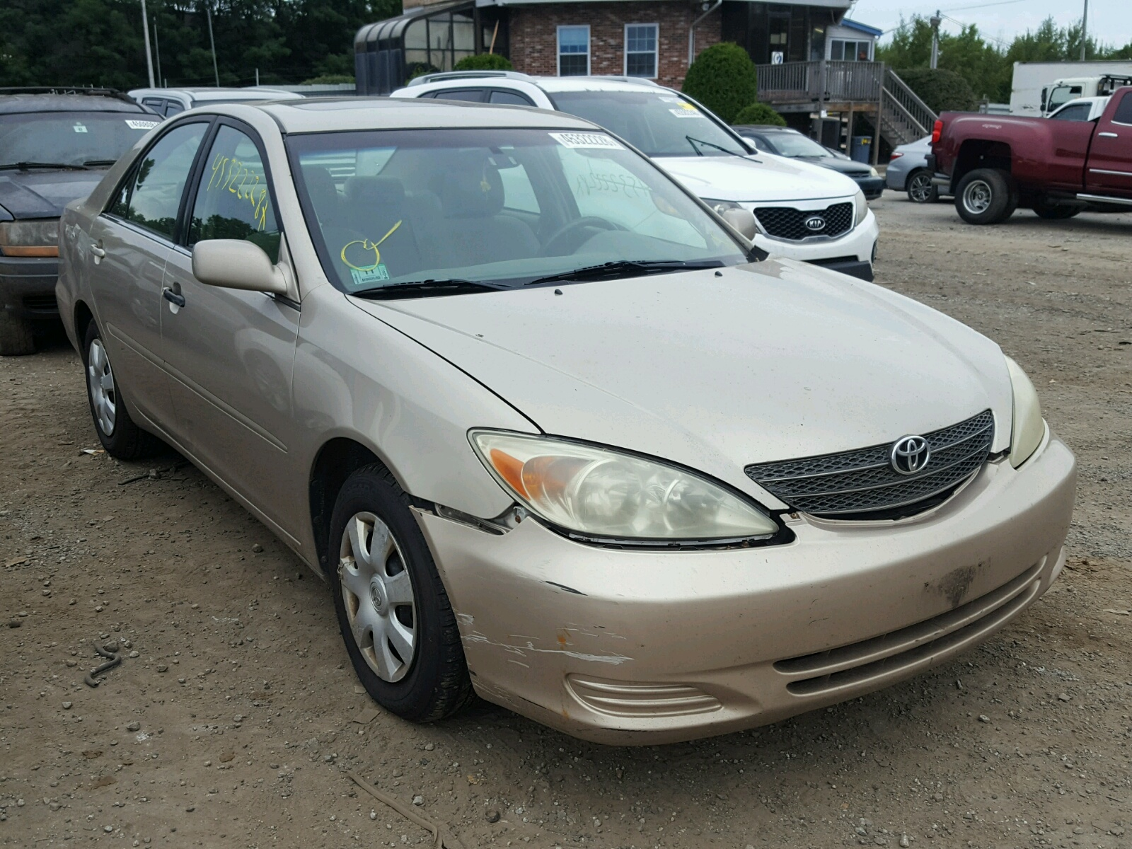 Salvage 2002 Toyota CAMRY LE for sale