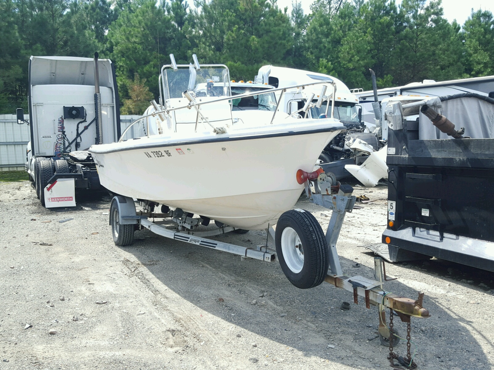 Salvage 2005 Chaw BOAT for sale