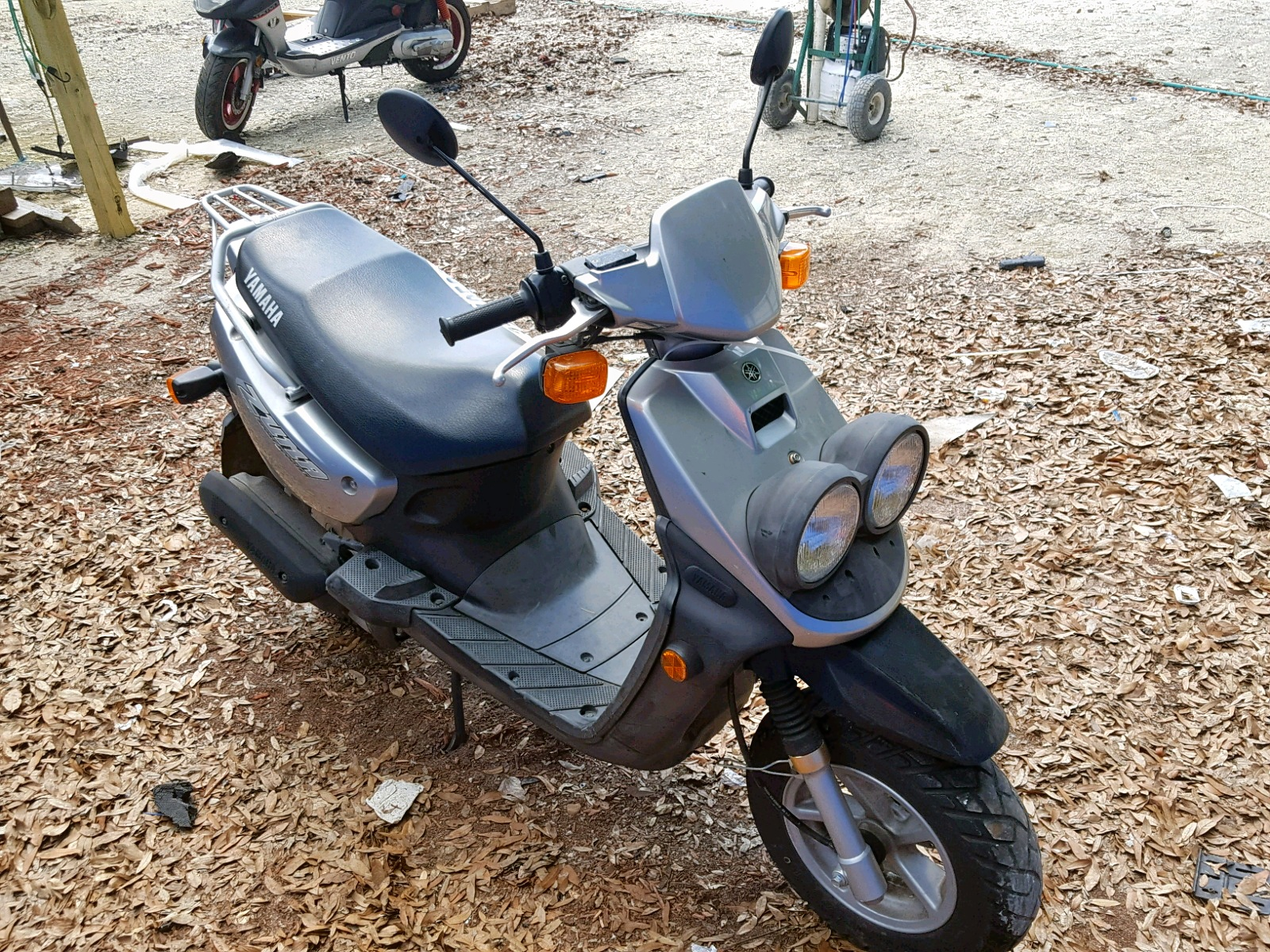 Salvage 2004 Yamaha SCOOTER for sale