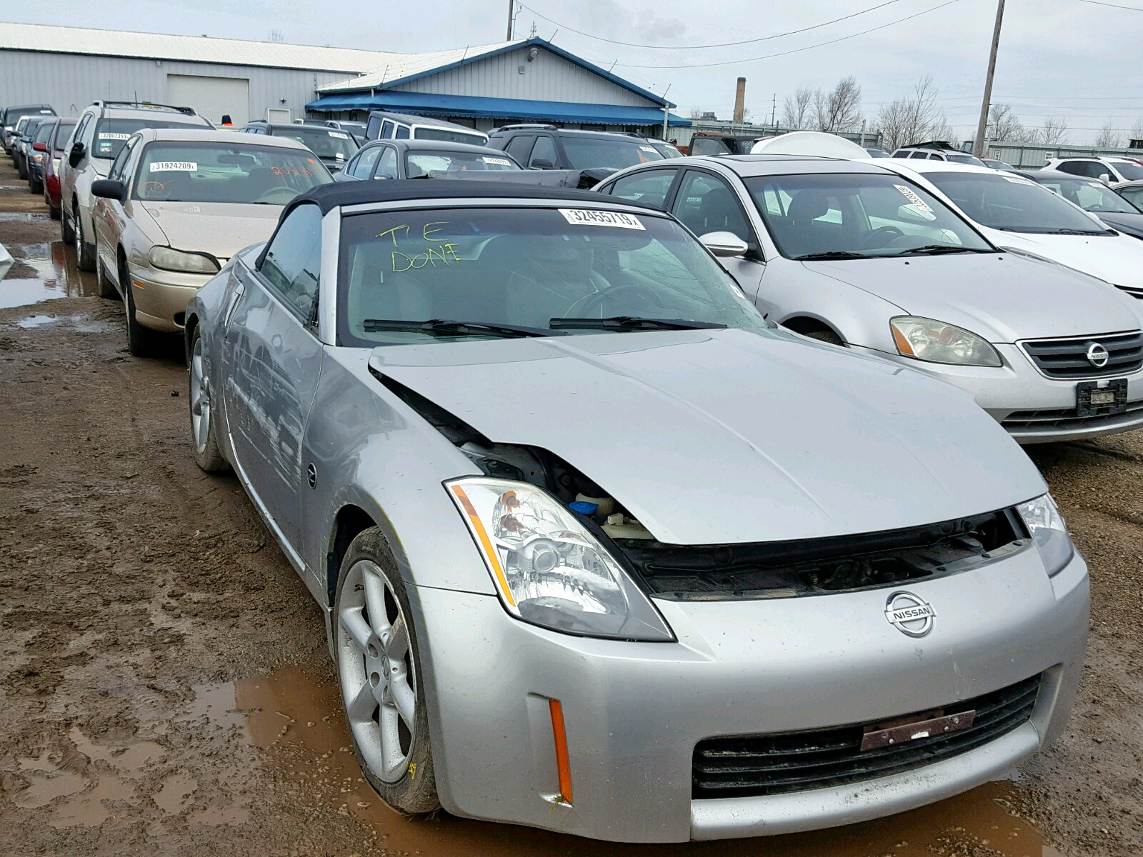 Salvage 2005 Nissan 350Z ROADS for sale