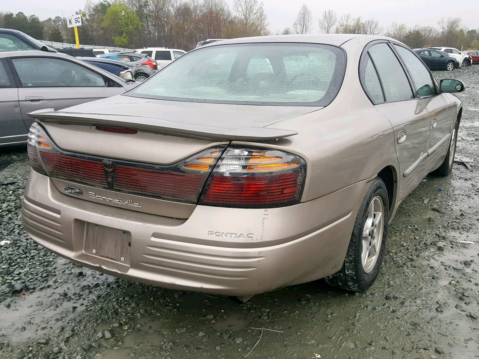 2002 Pontiac Bonneville Lot 31890489