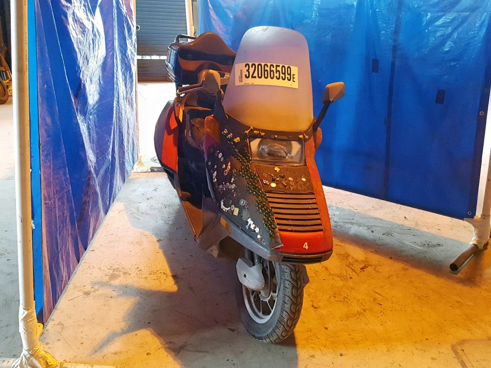 Salvage 1996 Honda 250CC for sale