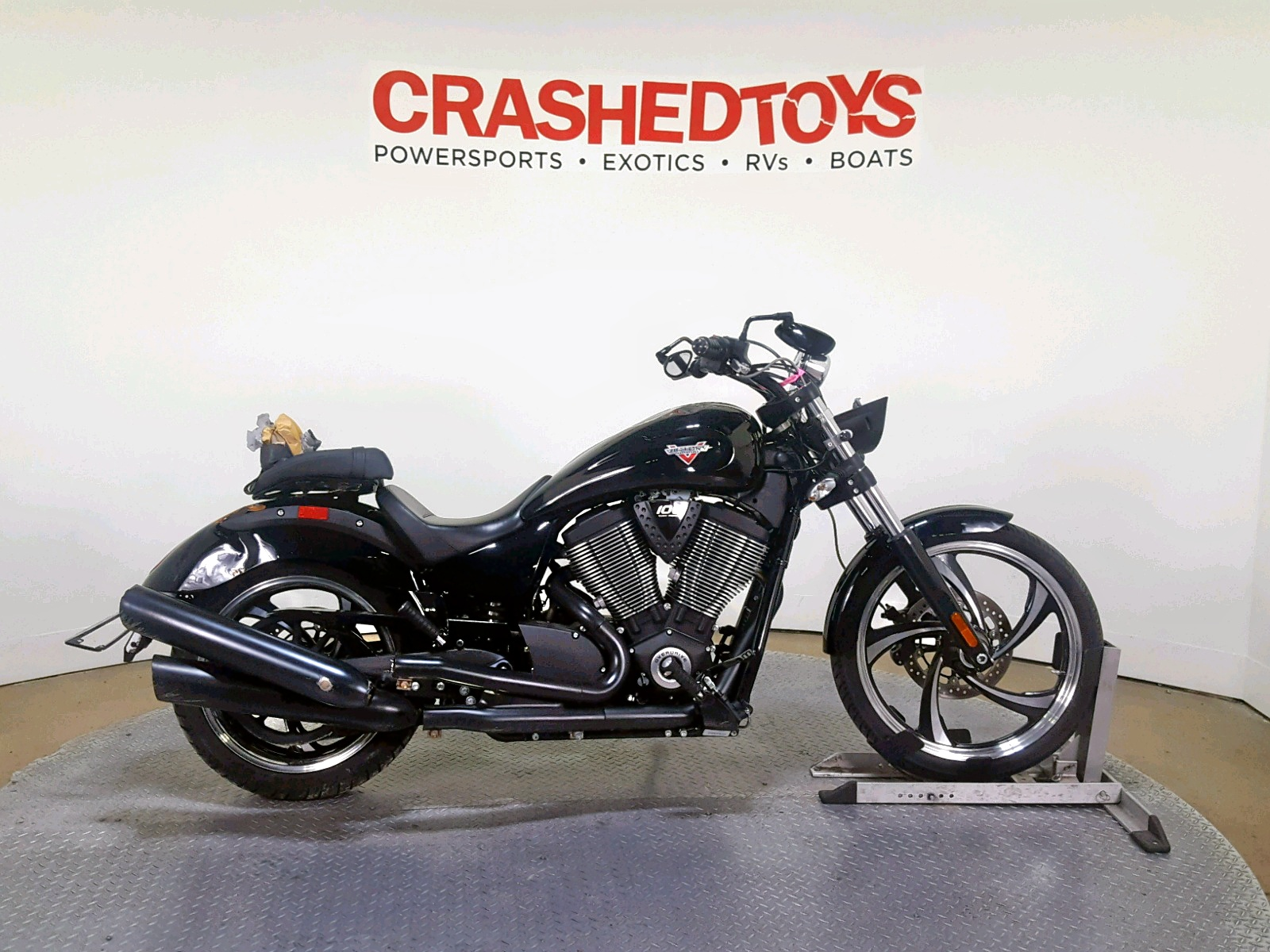 click here to view 2014 VICTORY MOTORCYCLES VEGAS 8-BA at IBIDSAFELY
