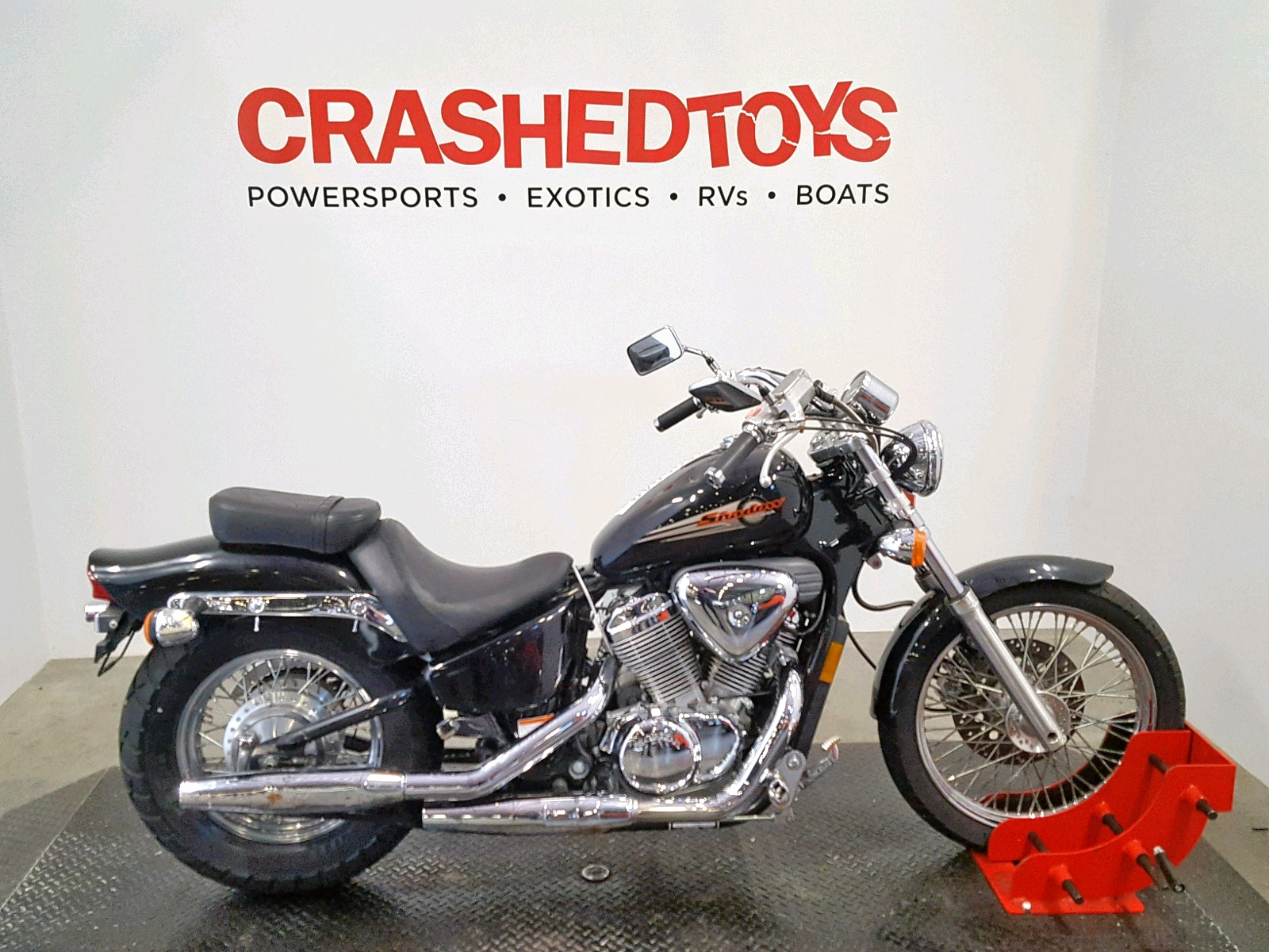 Salvage 2003 Honda VT600 CD for sale