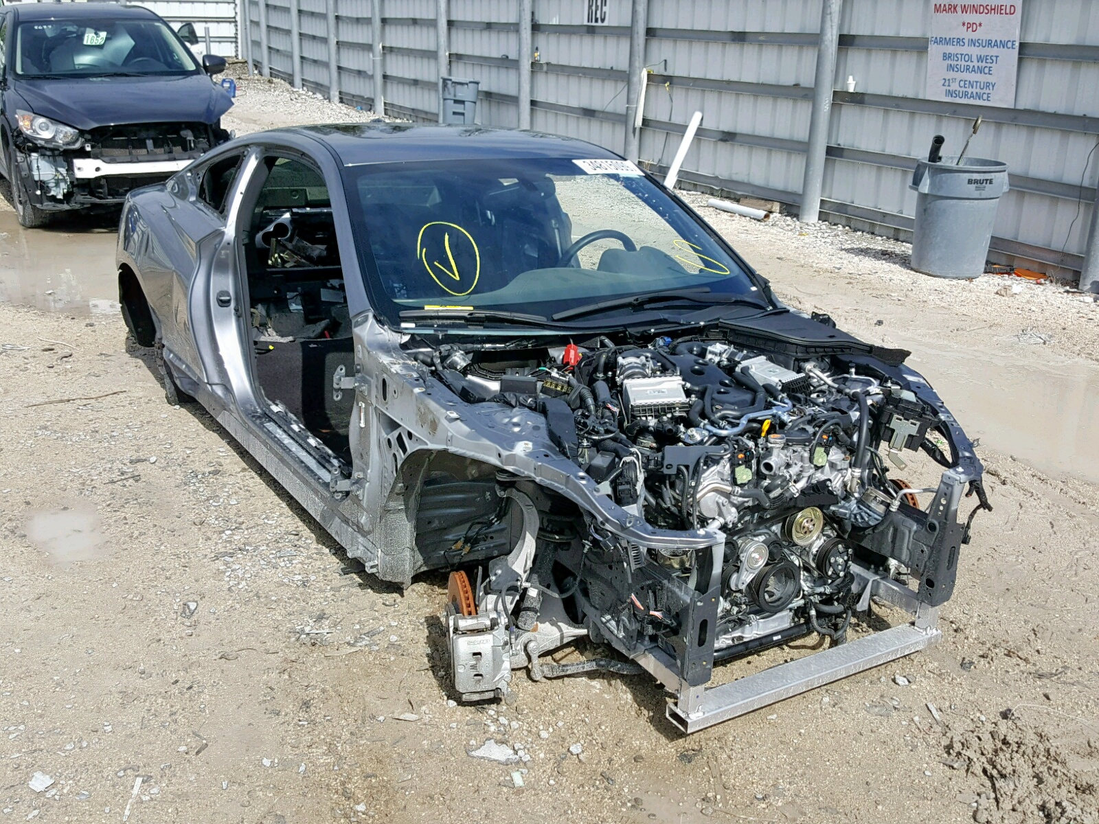 Salvage 2018 Infiniti Q60 LUXE 3 for sale