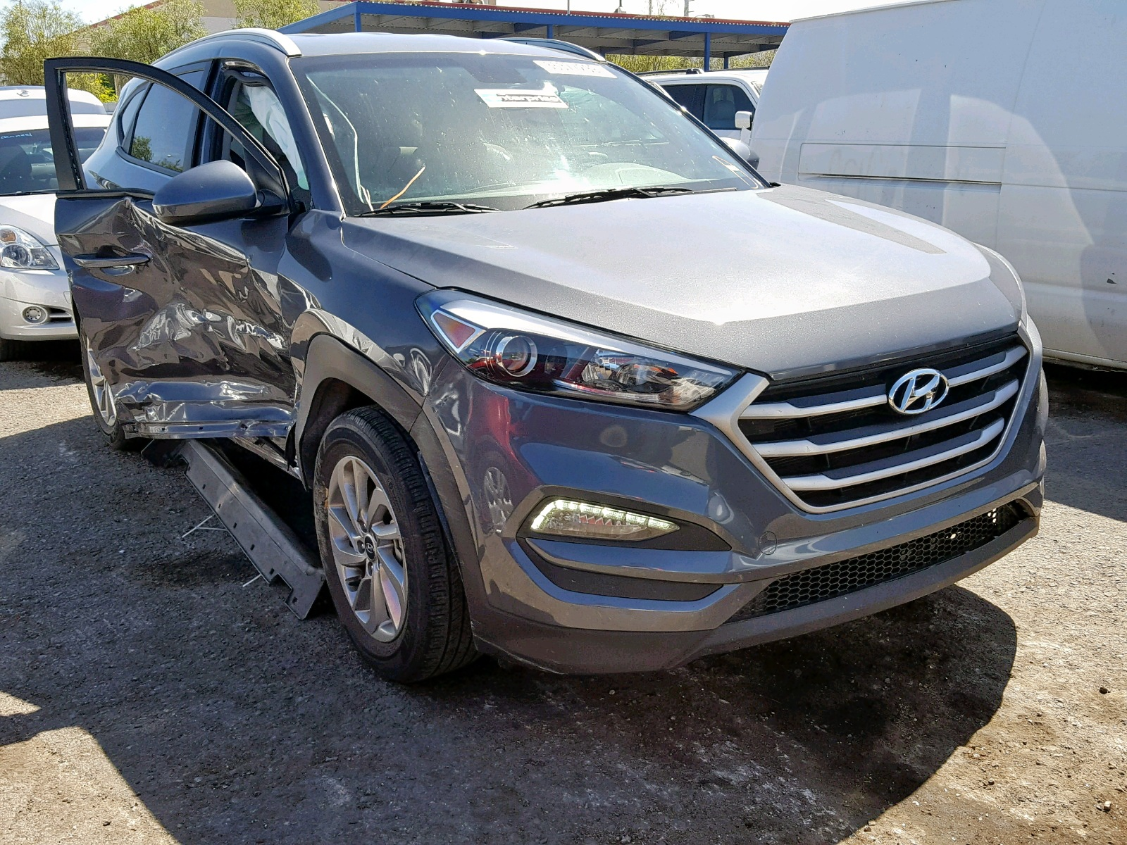 Salvage 2018 Hyundai TUCSON SEL for sale