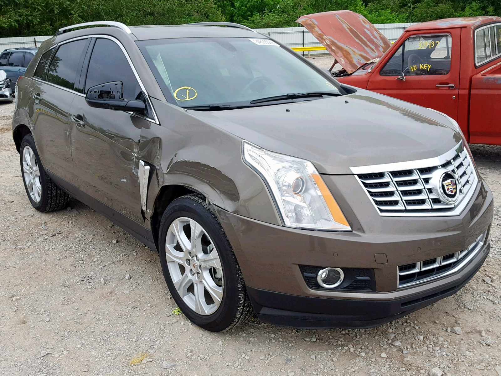 Salvage 2015 Cadillac SRX PERFOR for sale