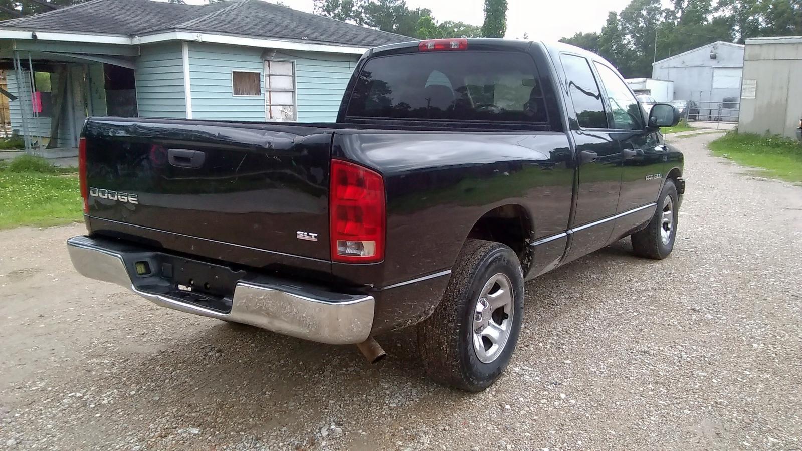 1D7HA18N835231622 - 2003 Dodge Ram 1500 S 4.7L rear view