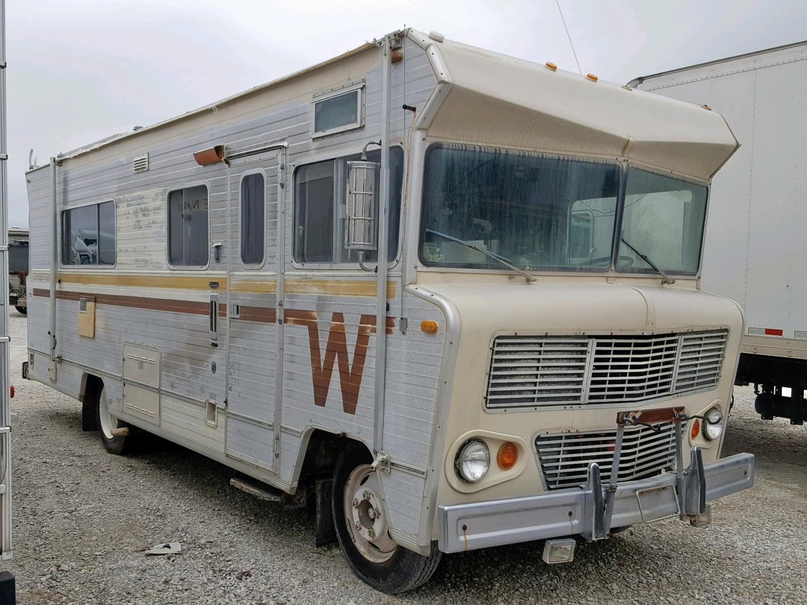 Salvage 1974 Winnebago CHIEFTAN for sale