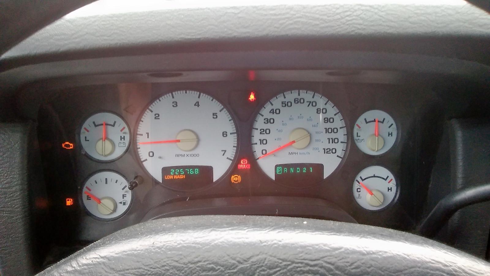 1D7HA18N835231622 - 2003 Dodge Ram 1500 S 4.7L inside view