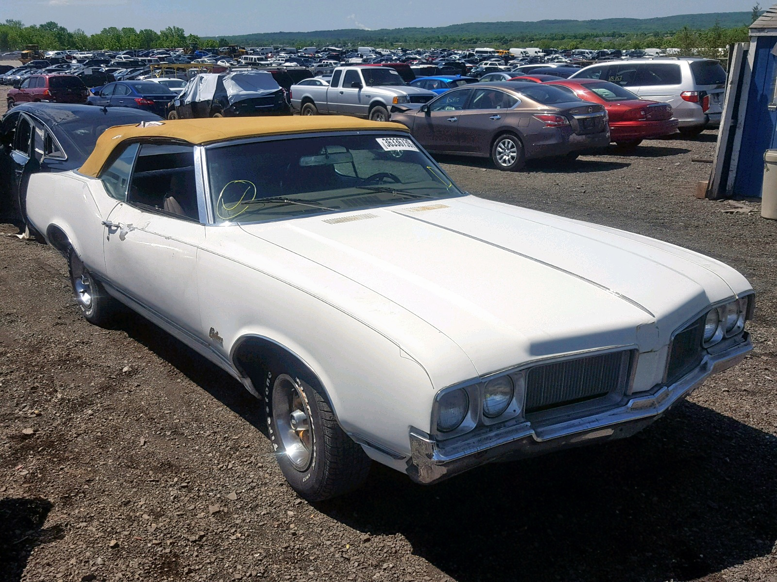 click here to view 1970 OLDSMOBILE CUTLASS at IBIDSAFELY