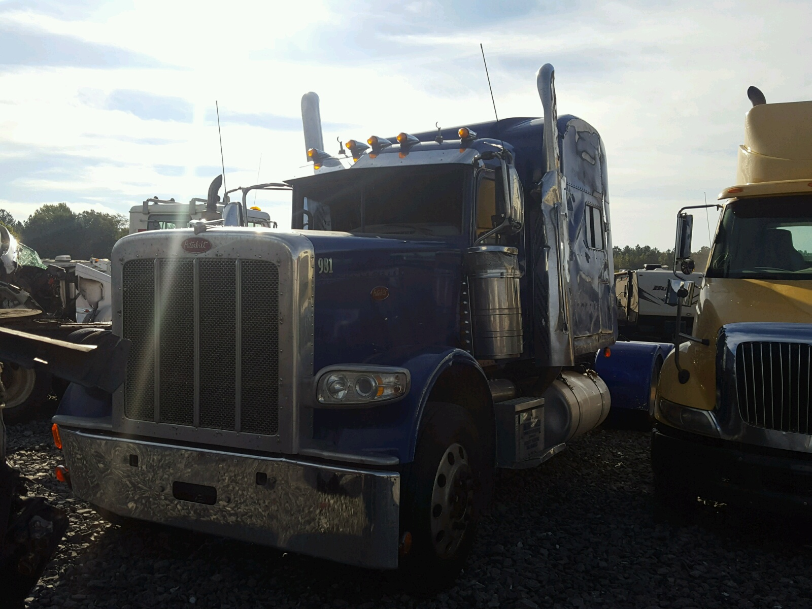 2012 Peterbilt 389 - All Over Damage - 1XPXD49X0CD173328 (Sold)