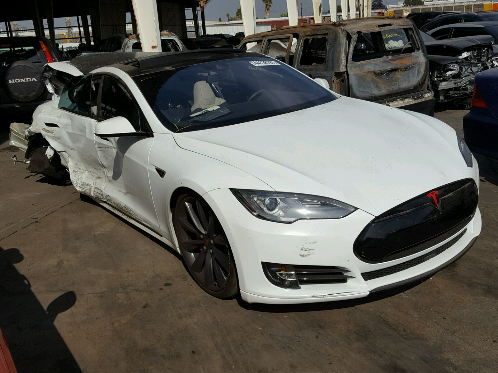 click here to view 2015 TESLA MODEL S 70 at IBIDSAFELY