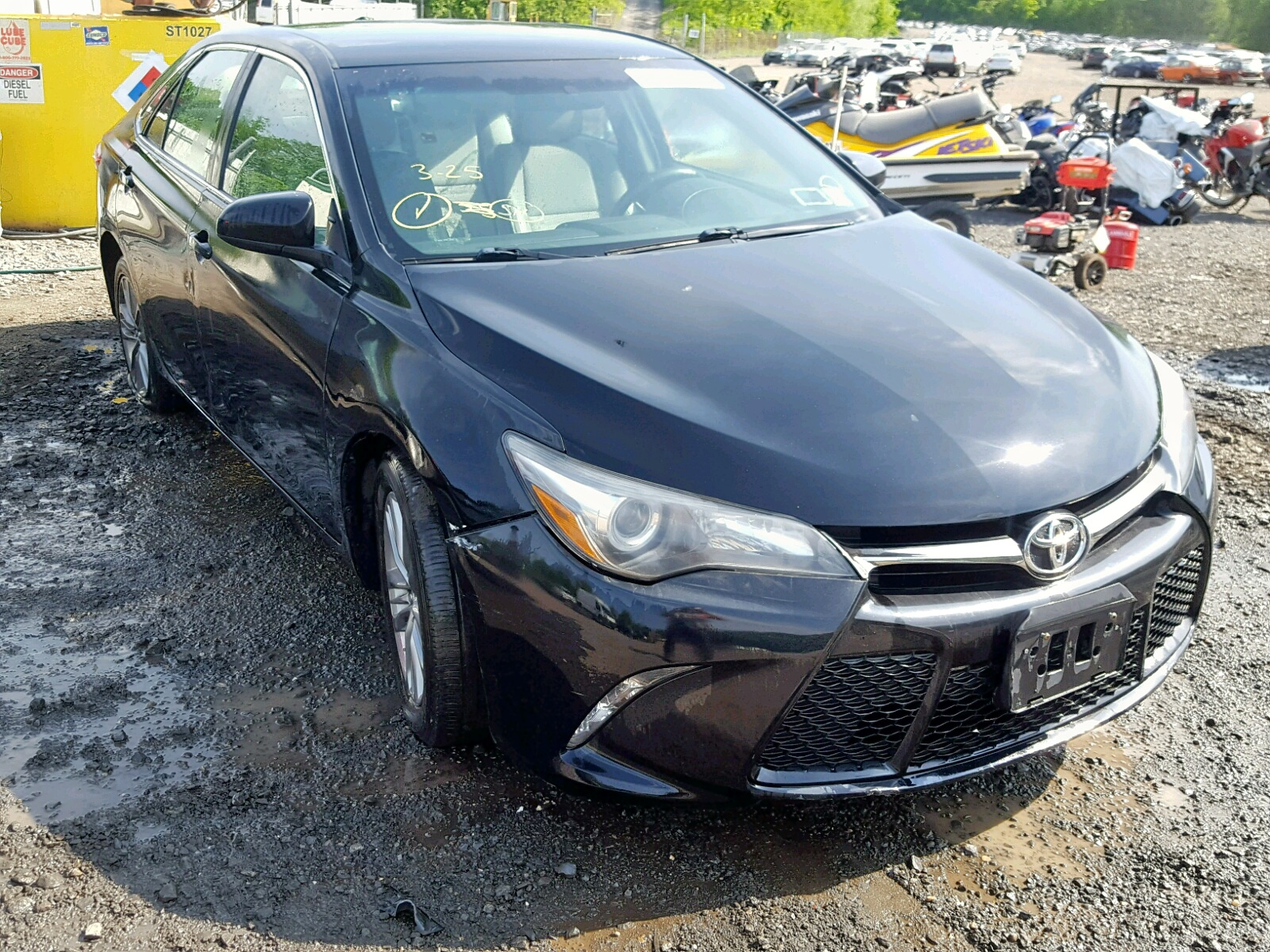 4T1BF1FK4FU043162 - 2015 Toyota Camry Le 2.5L Left View