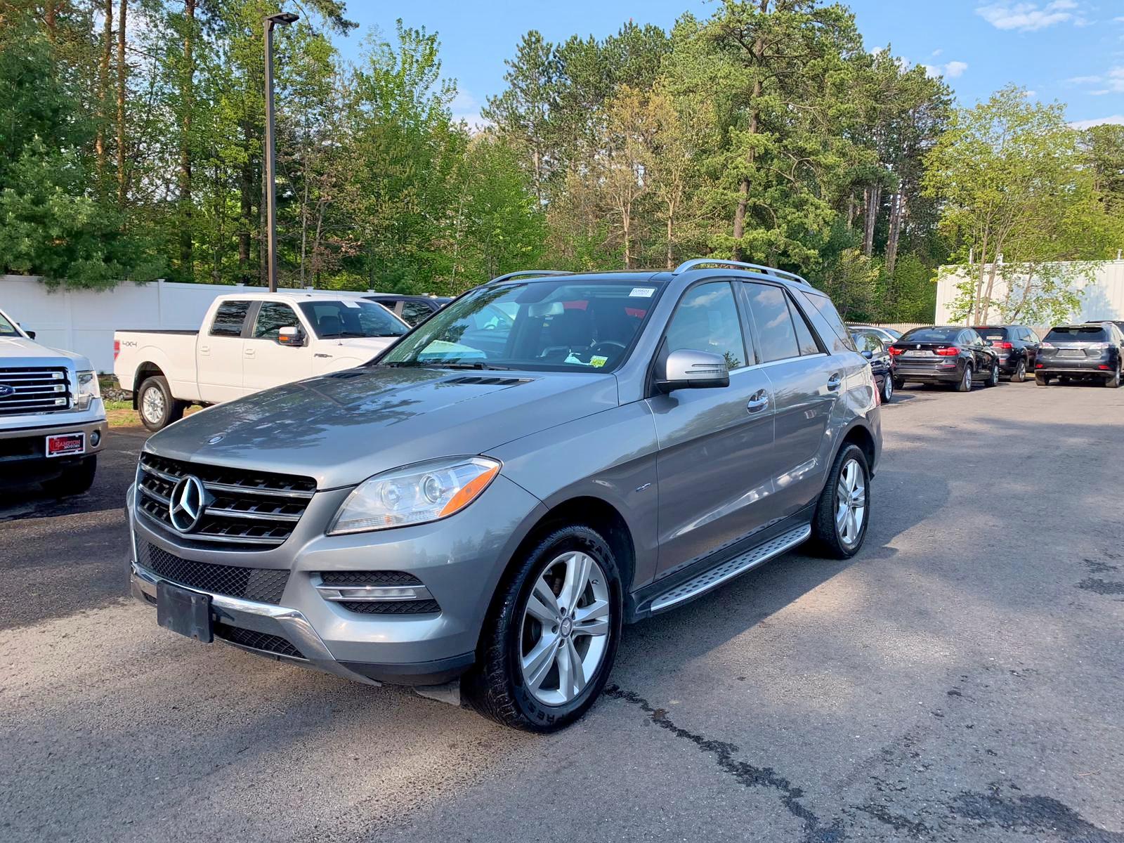 4JGDA5HB5CA030011 - 2012 Mercedes-Benz Ml 350 4Ma 3.5L Left View