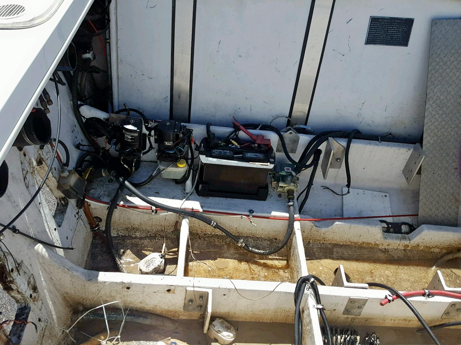 AGC71003C979 - 1997 Baja Outlaw Sst inside view