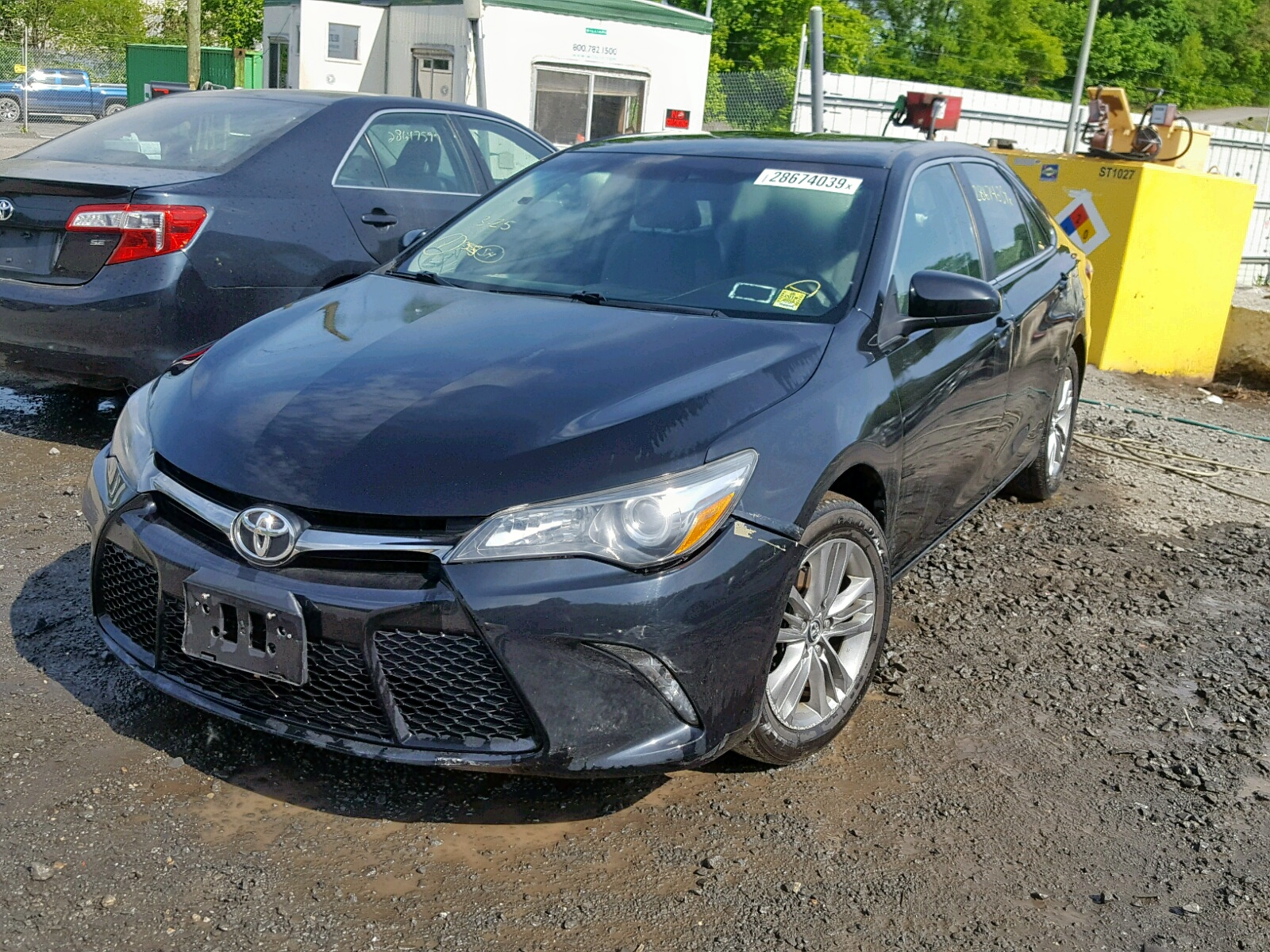 4T1BF1FK4FU043162 - 2015 Toyota Camry Le 2.5L Right View
