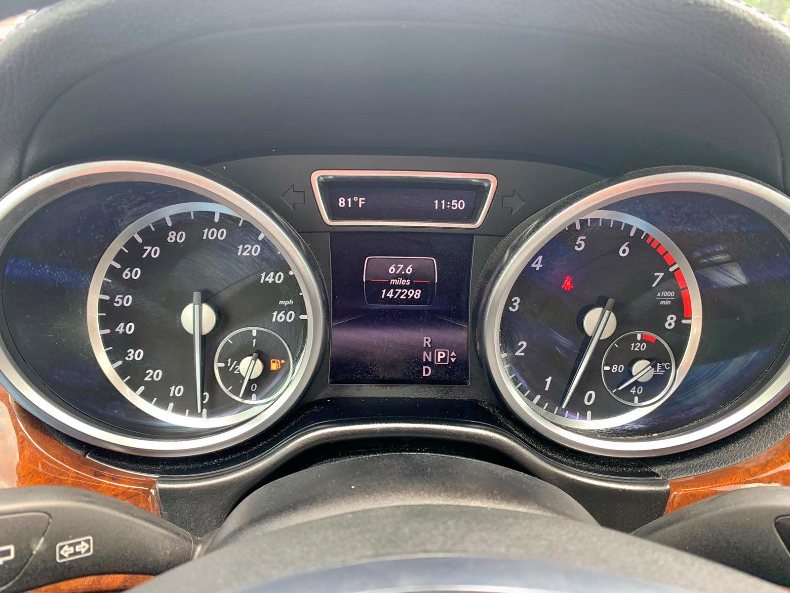 4JGDF7CE5EA308763 - 2014 Mercedes-Benz Gl 450 4Ma 4.6L inside view