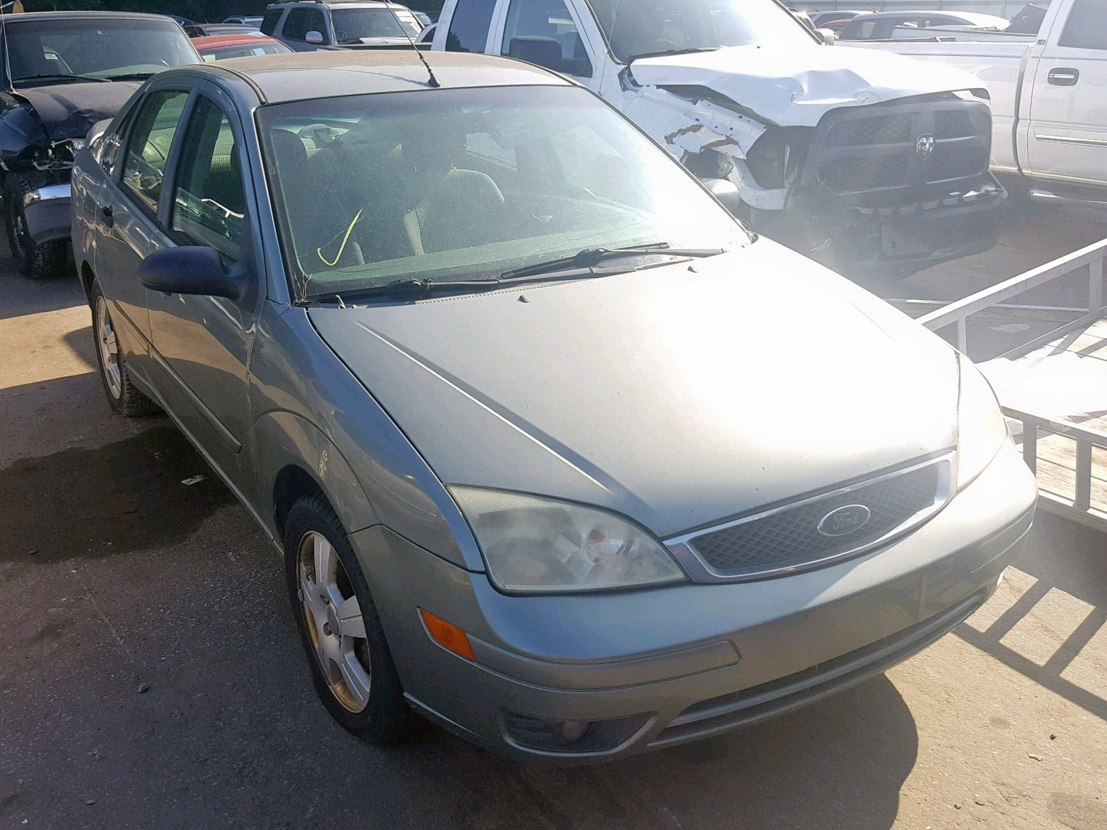 2005 Ford Focus Zx4 2.0L Left View