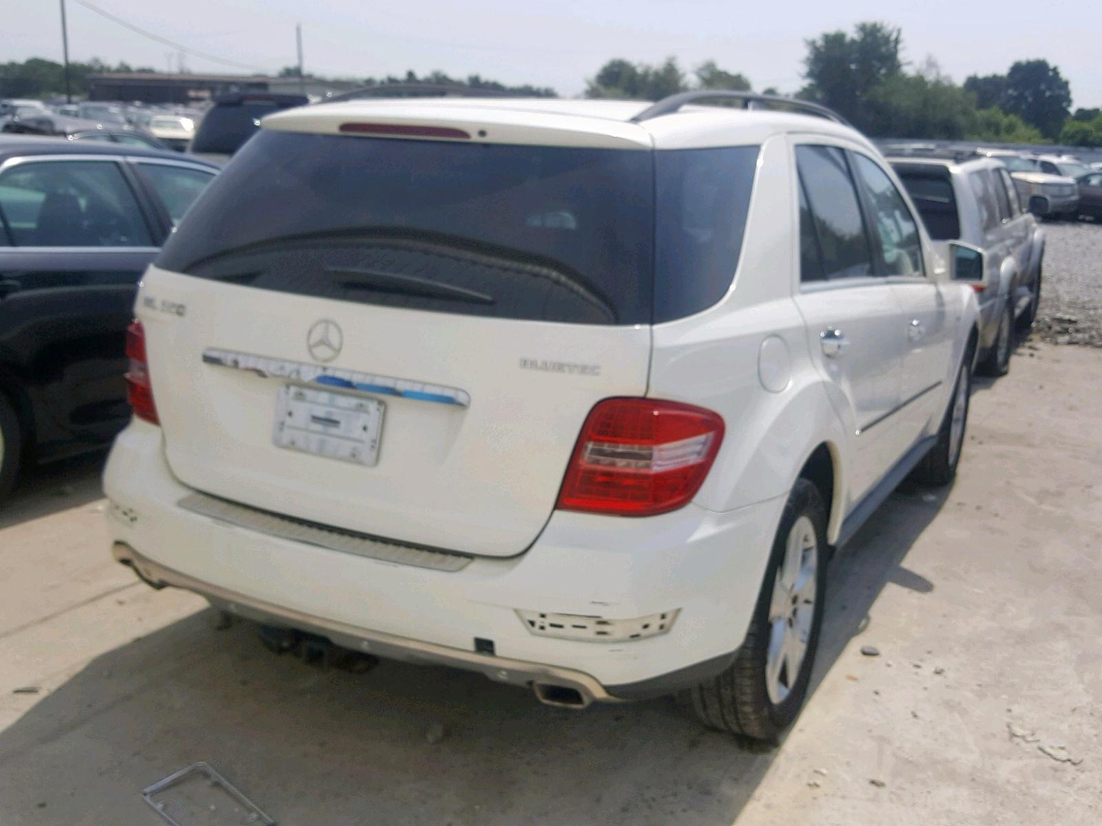 4JGBB2FB0BA648633 - 2011 Mercedes-Benz Ml 350 Blu 3.0L rear view