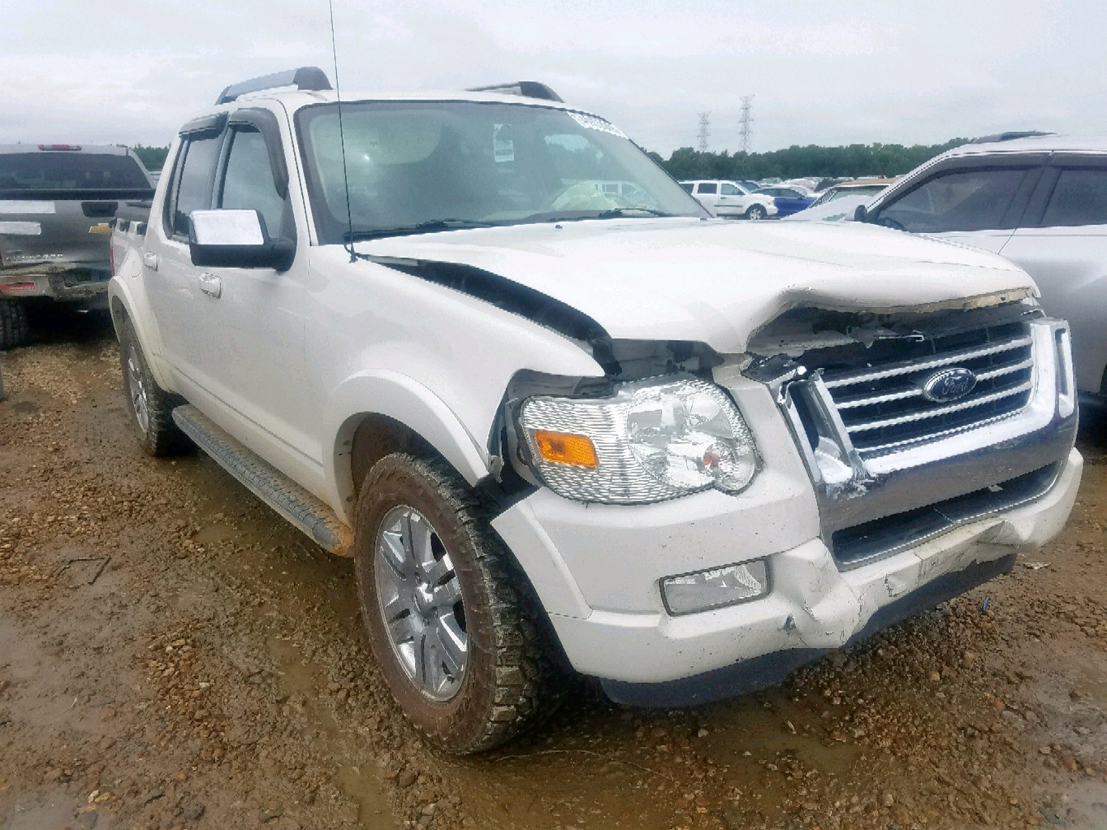 1FMEU33E18UA99057 - 2008 Ford Explorer S 4.0L Left View